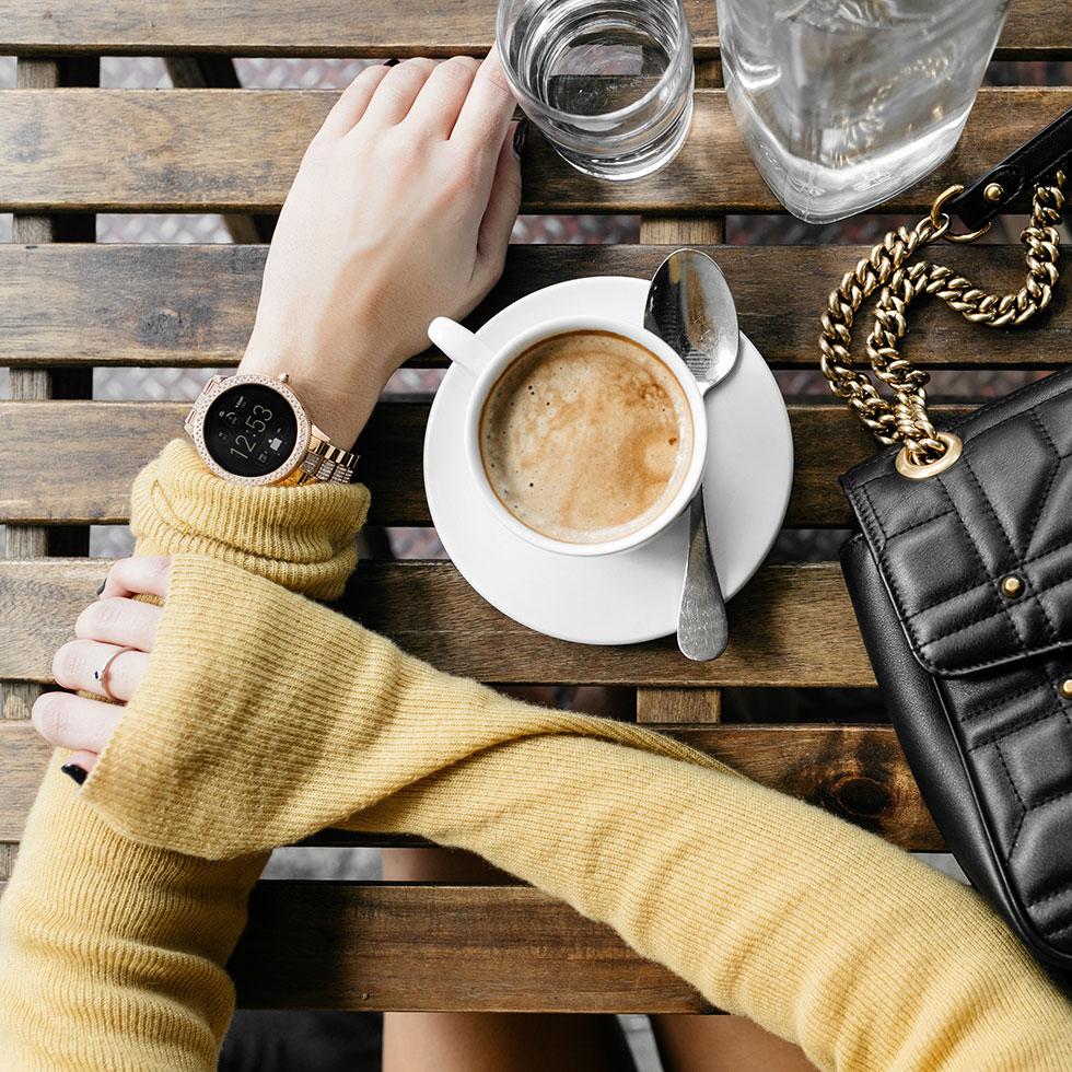 Fossil-Smartwatch-Q-Venture-Smartwatch-Gold5.jpg