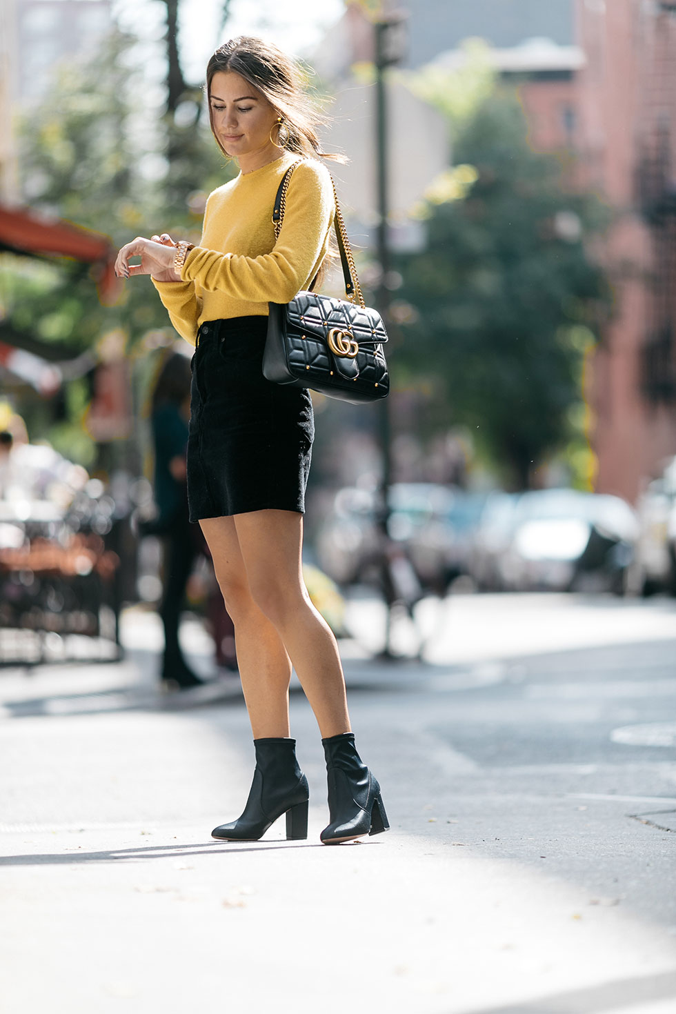 yellow-cashmere-sweater-with-black-velvet-skirt-and-ankle-boots-fall-outfit9.jpg