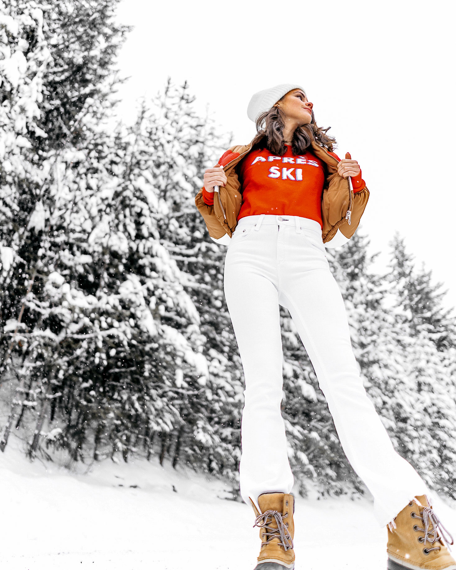 apres-ski-sweater-striped-vintage-puffer-coat-winter-snow-outfit-whistler-4.jpg