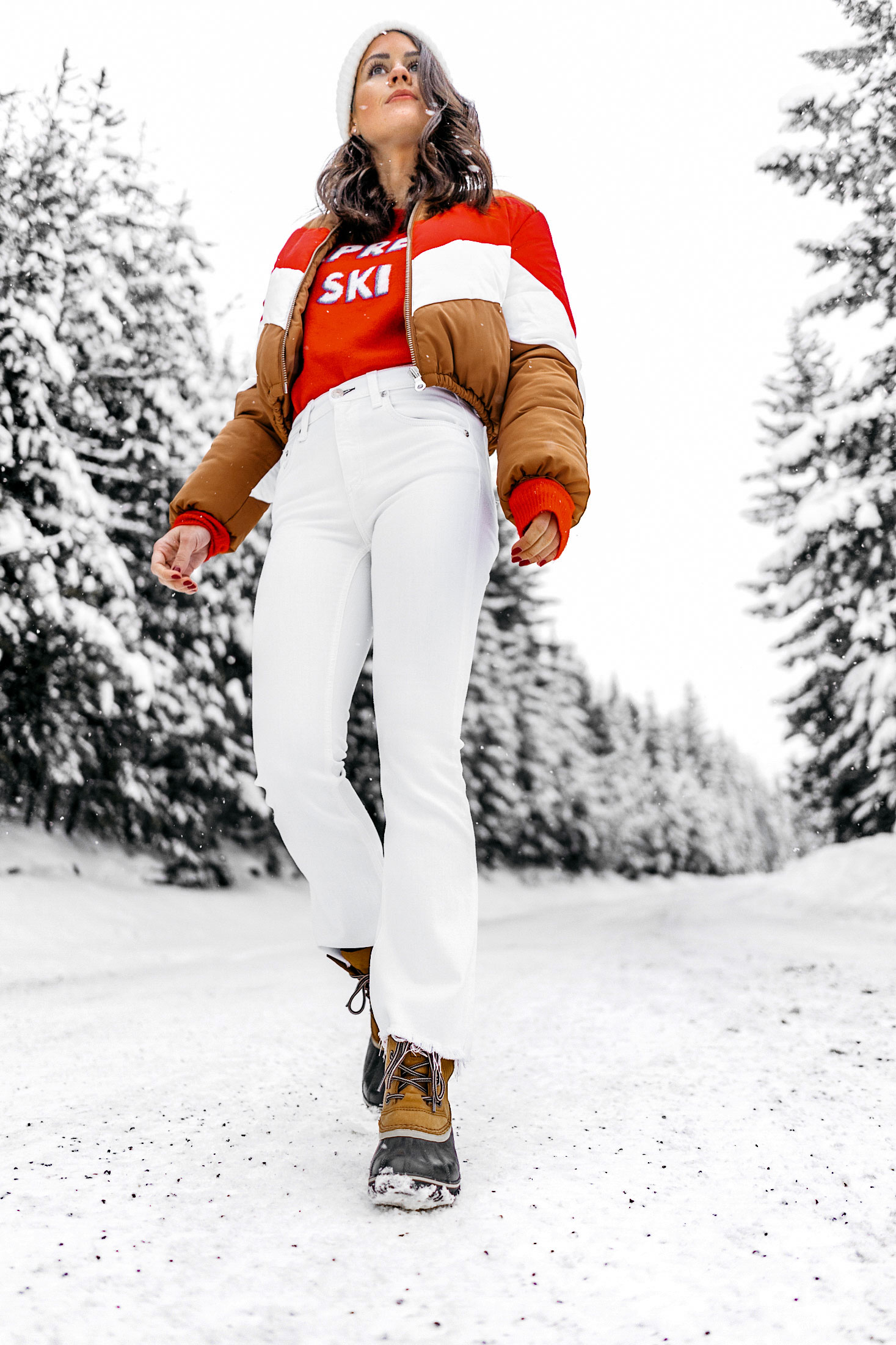 apres-ski-sweater-striped-vintage-puffer-coat-winter-snow-outfit-whistler-3.jpg
