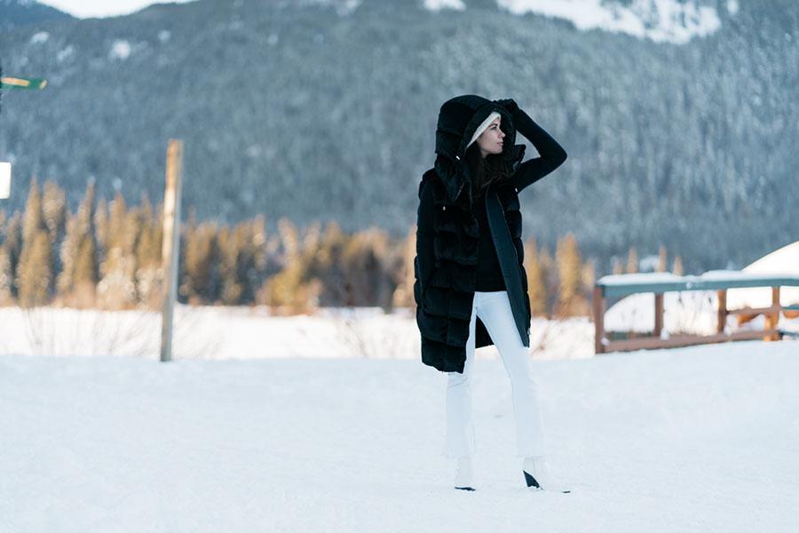 Salvatore Ferragamo Vest Whistler Snow Outfit DSC00337-2.jpg