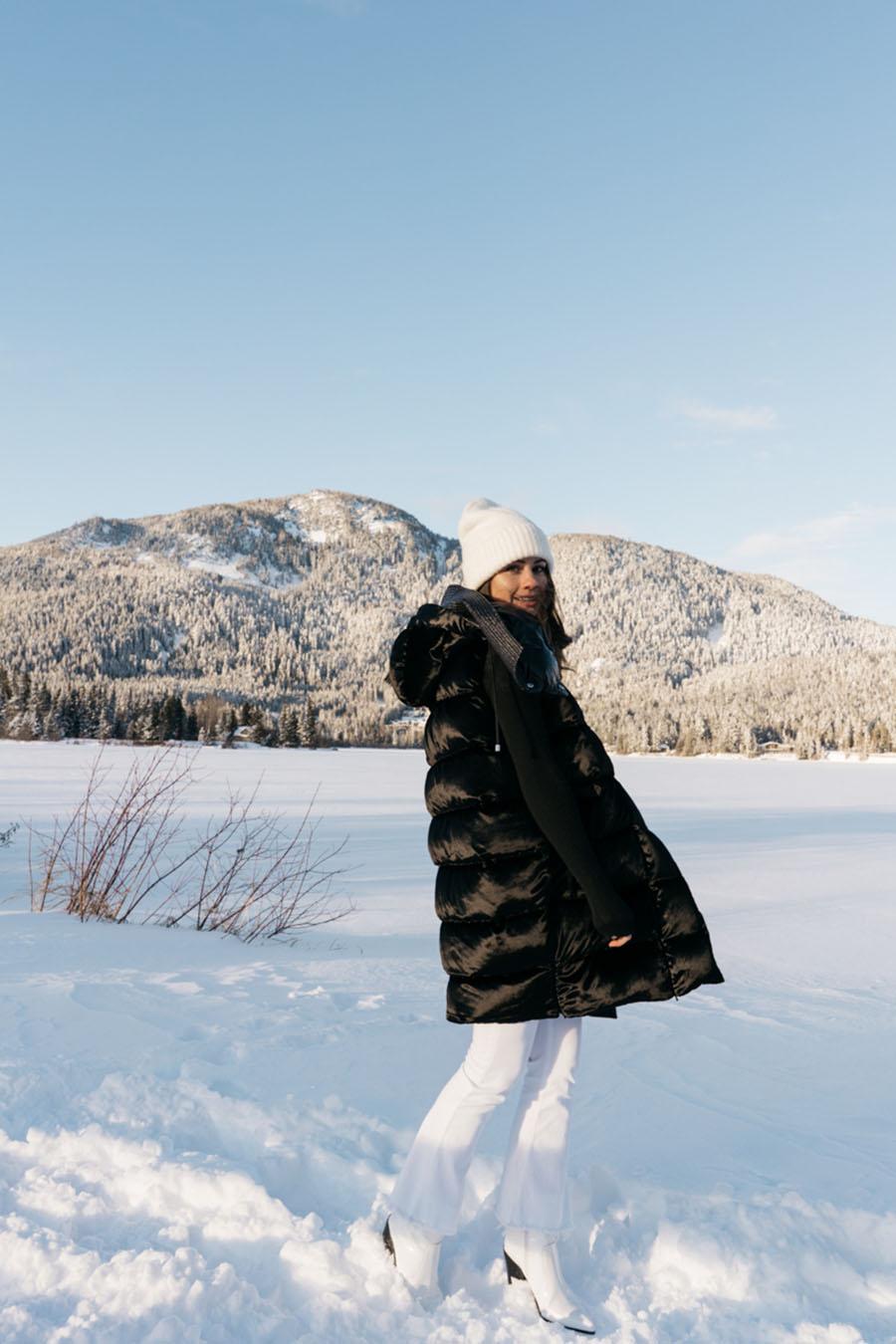 Salvatore Ferragamo Vest Whistler Snow Outfit DSC08063.jpg