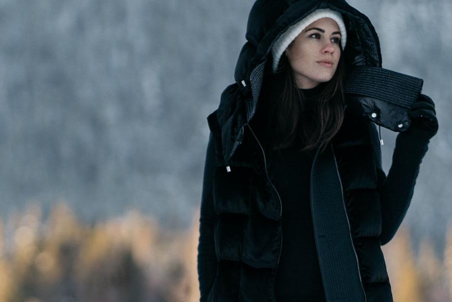 Salvatore Ferragamo Vest Whistler Snow Outfit DSC00273.jpg