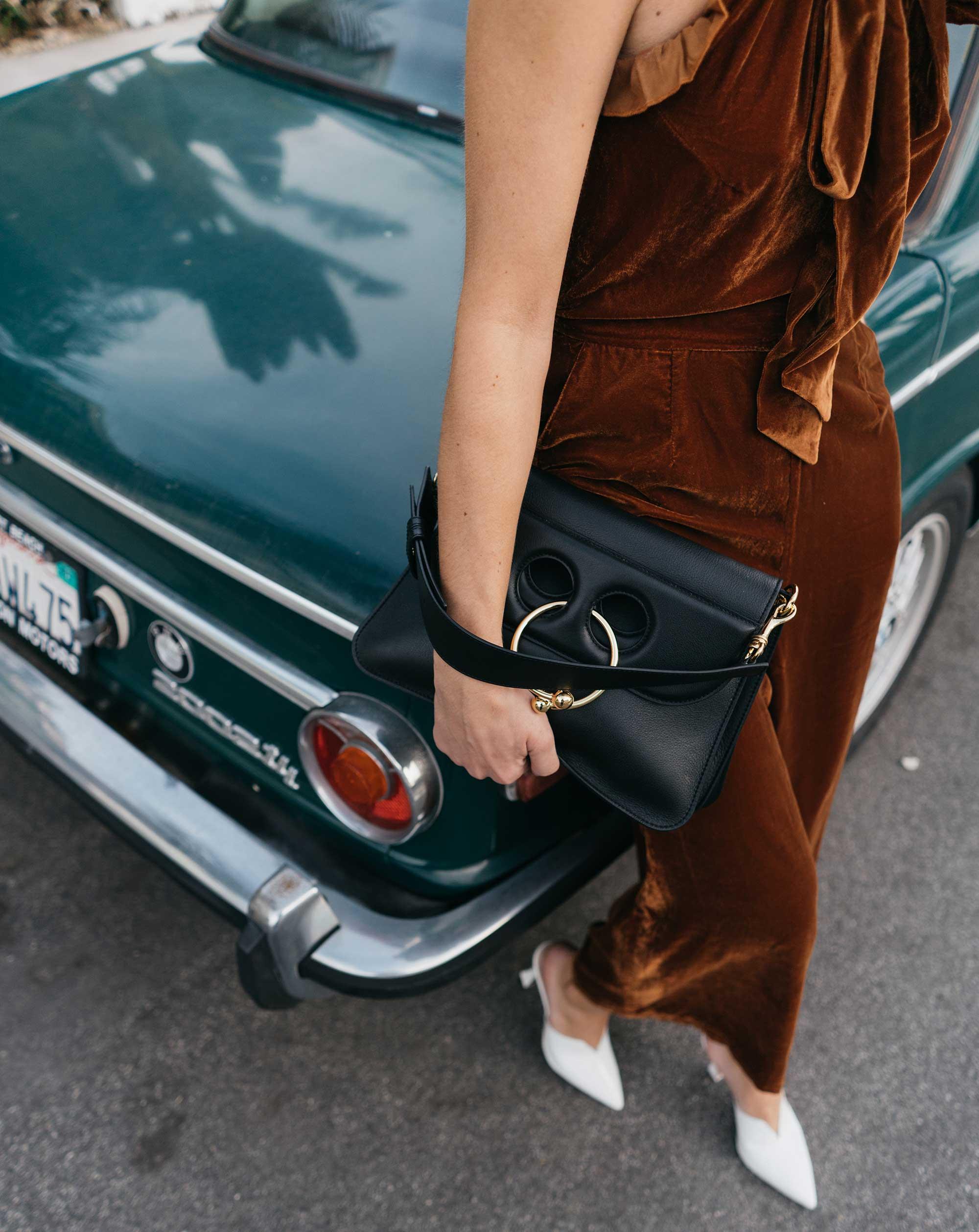 velvet-jumpsuit-outfit-idea--3.jpg