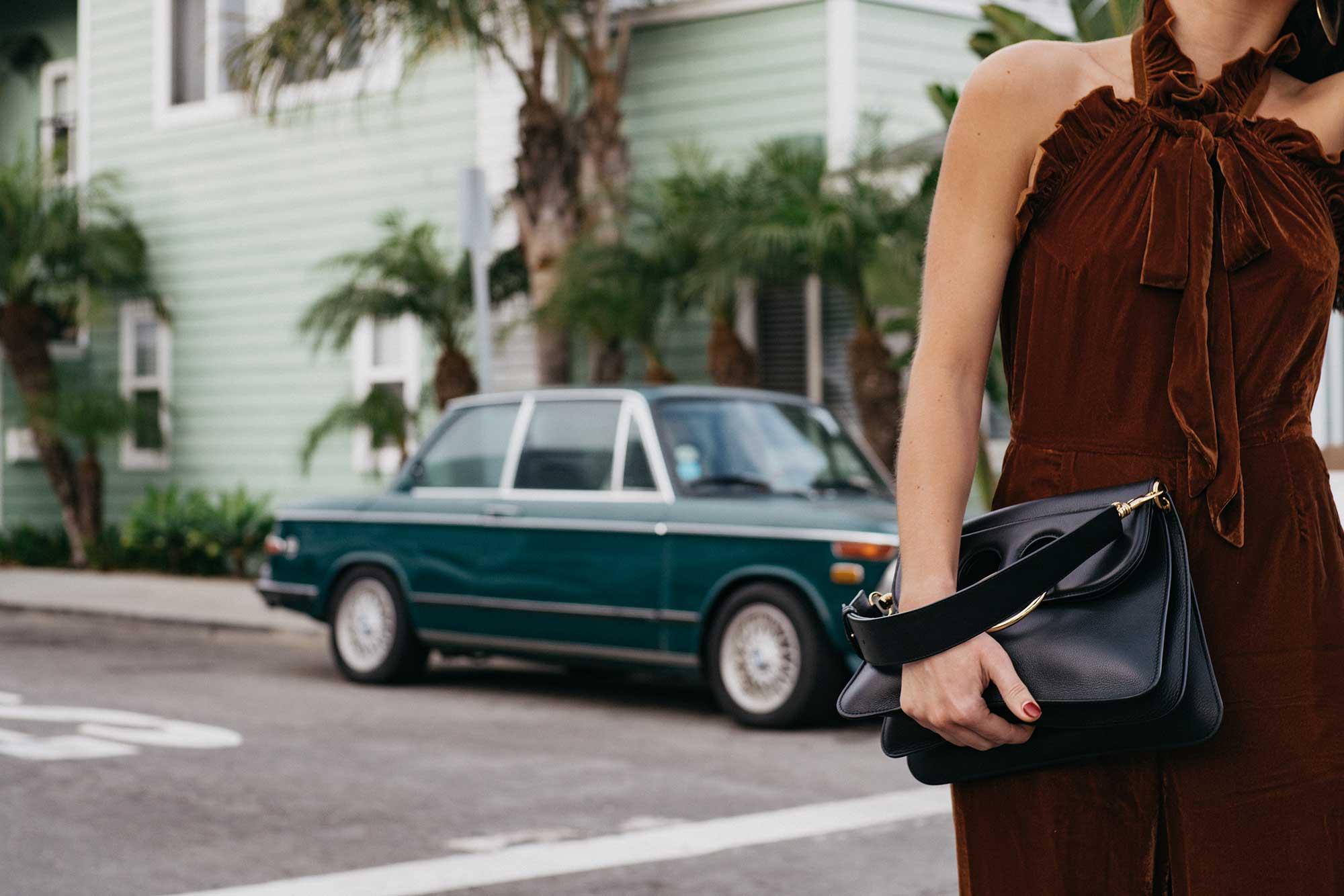 velvet-jumpsuit-outfit-idea--9.jpg