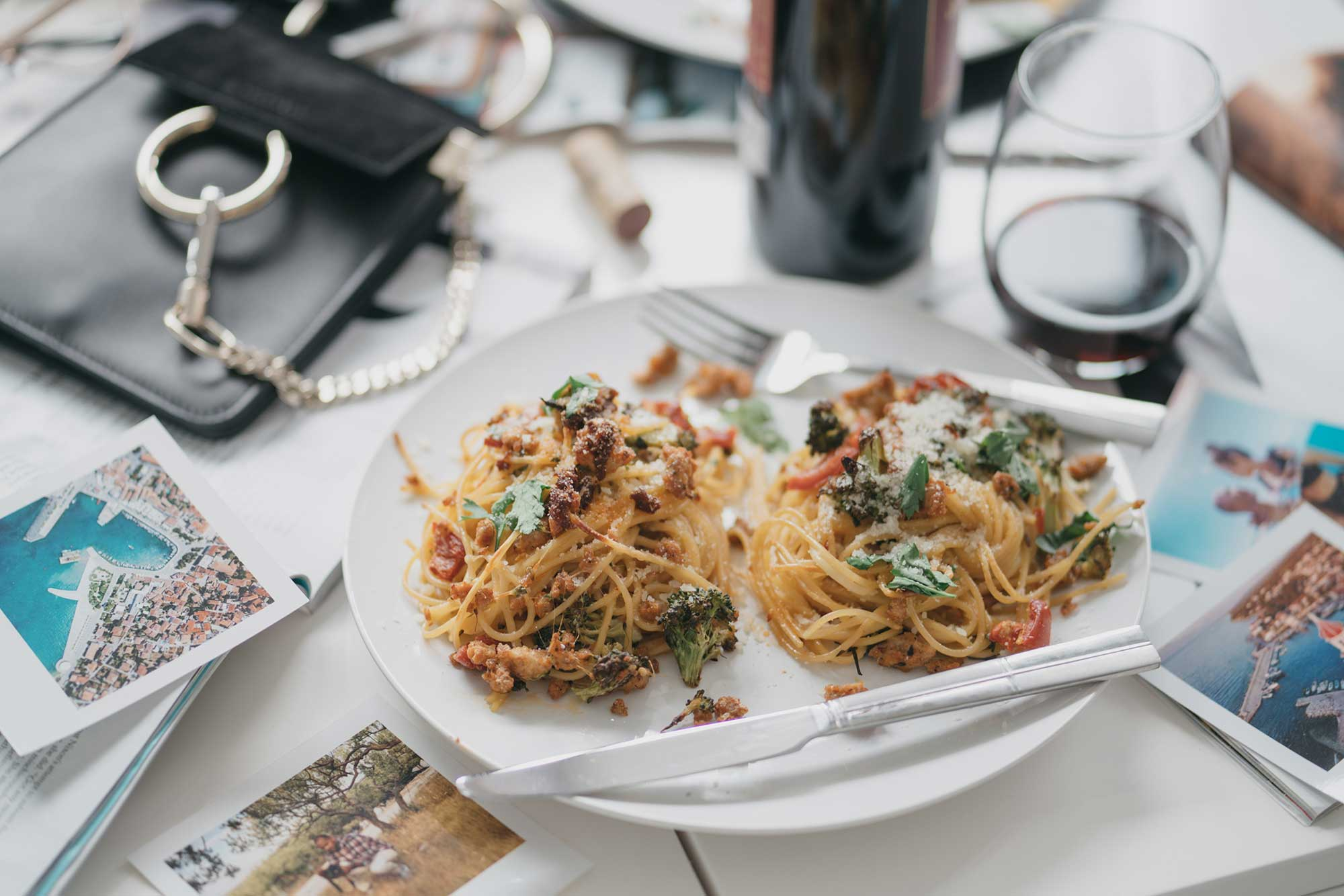 how-to-make-spagetti-nests-with-italian-sausage-broccoli-and-hot-cherry-peppers-flatlay-dinner-14.jpg