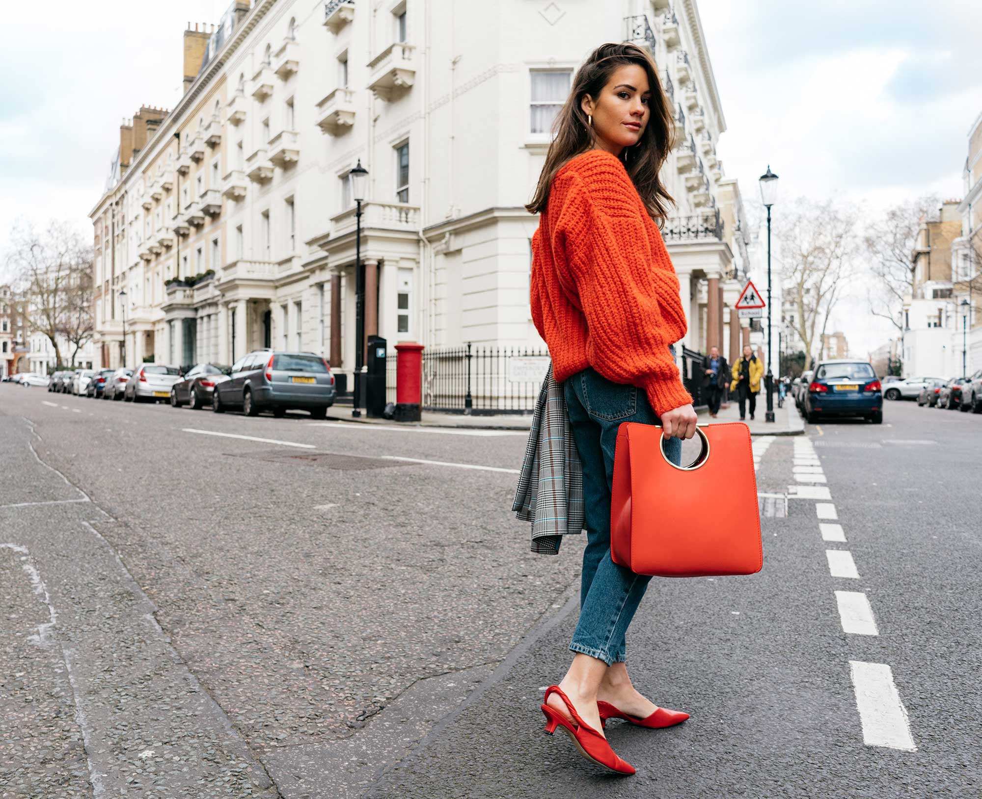 Lightweight-Check-Coat,-Salvatore-Ferragamo-Red-Leather-Tote,--Mom-jeans,-London-Fall-Outfit-Red-Accessories-16.jpg