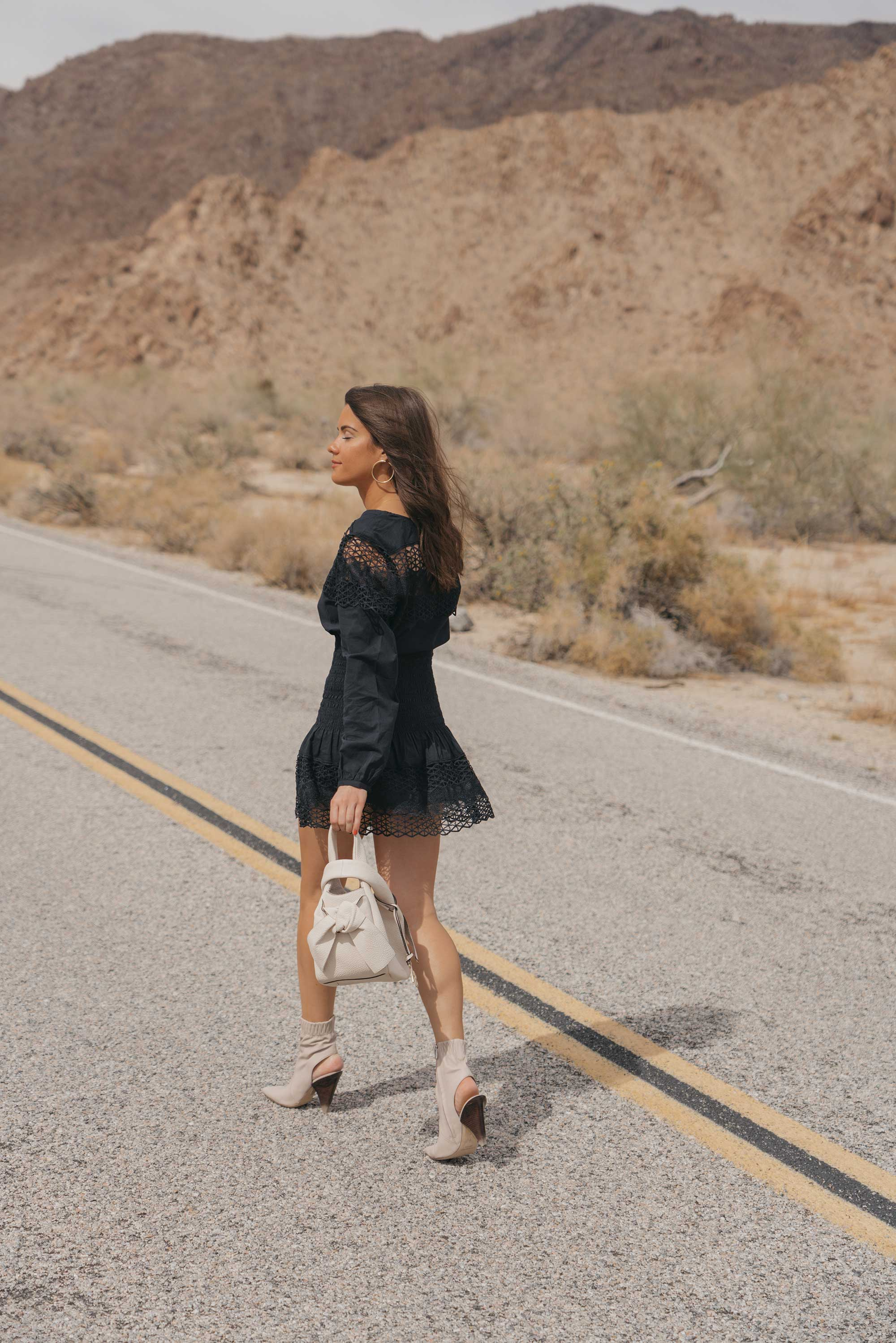 black lace festival outfit for Coachella Desert9.jpg