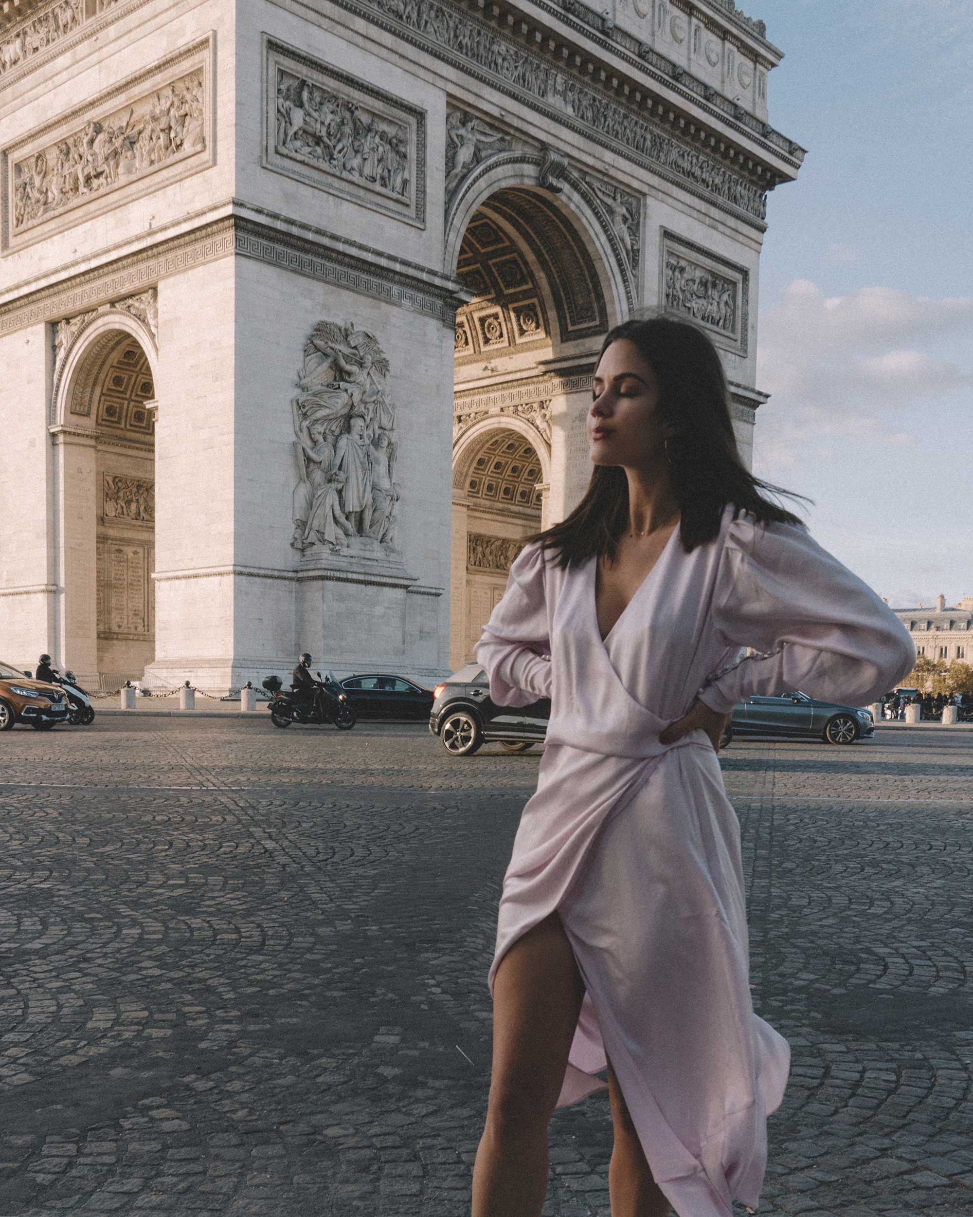 Joie Kyrene Long sleeves silk Wrap Midi Dress in purple Arc de Triomphe Paris Outfit4.jpg