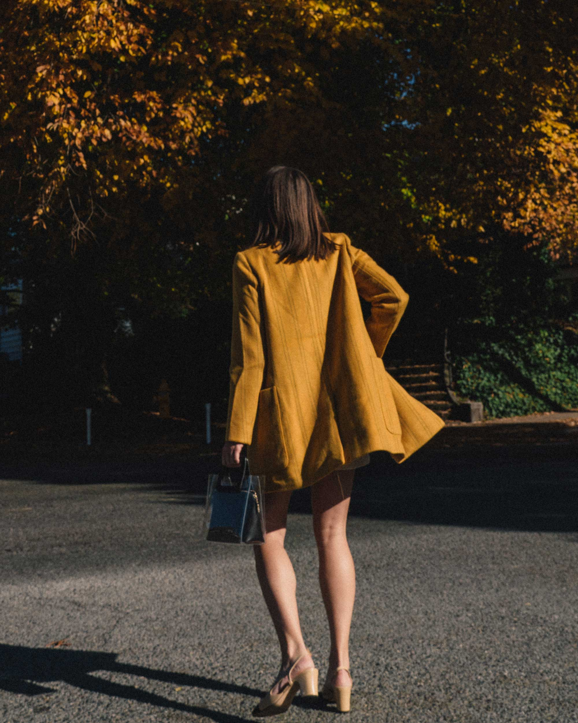 Madewell Hollis Double-Breasted Stripe Yellow Blazer Coat, corduroy shorts, fall outfit, fall leaves in Seattle 8.jpg