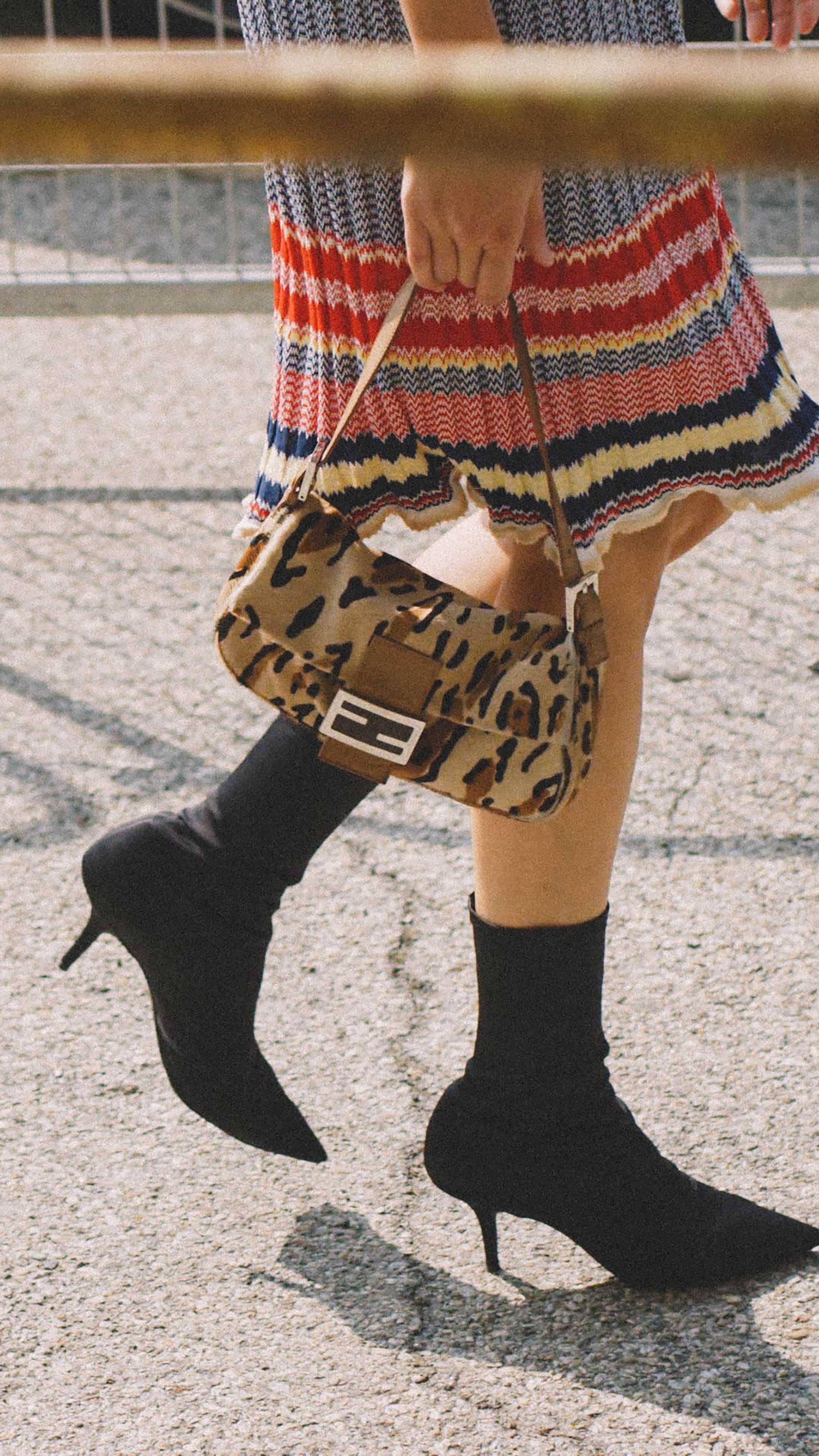 10 Easy Ways to Pull Off Animal Print, leopard fendi baguette handbag street style.jpg