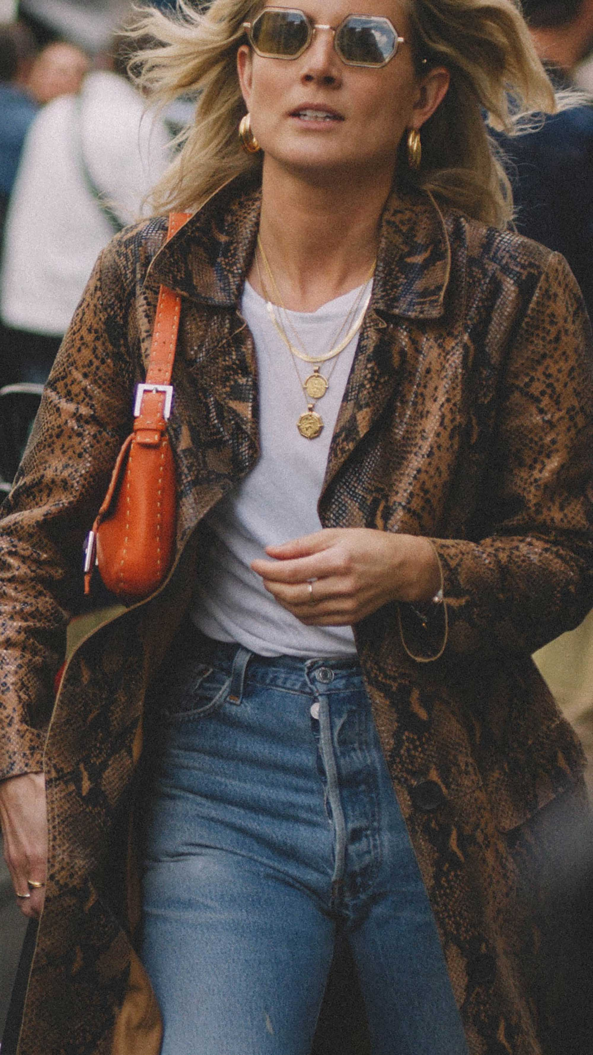 11 ways to wear snake print, snake print coat and gold jewelry street style paris.jpg