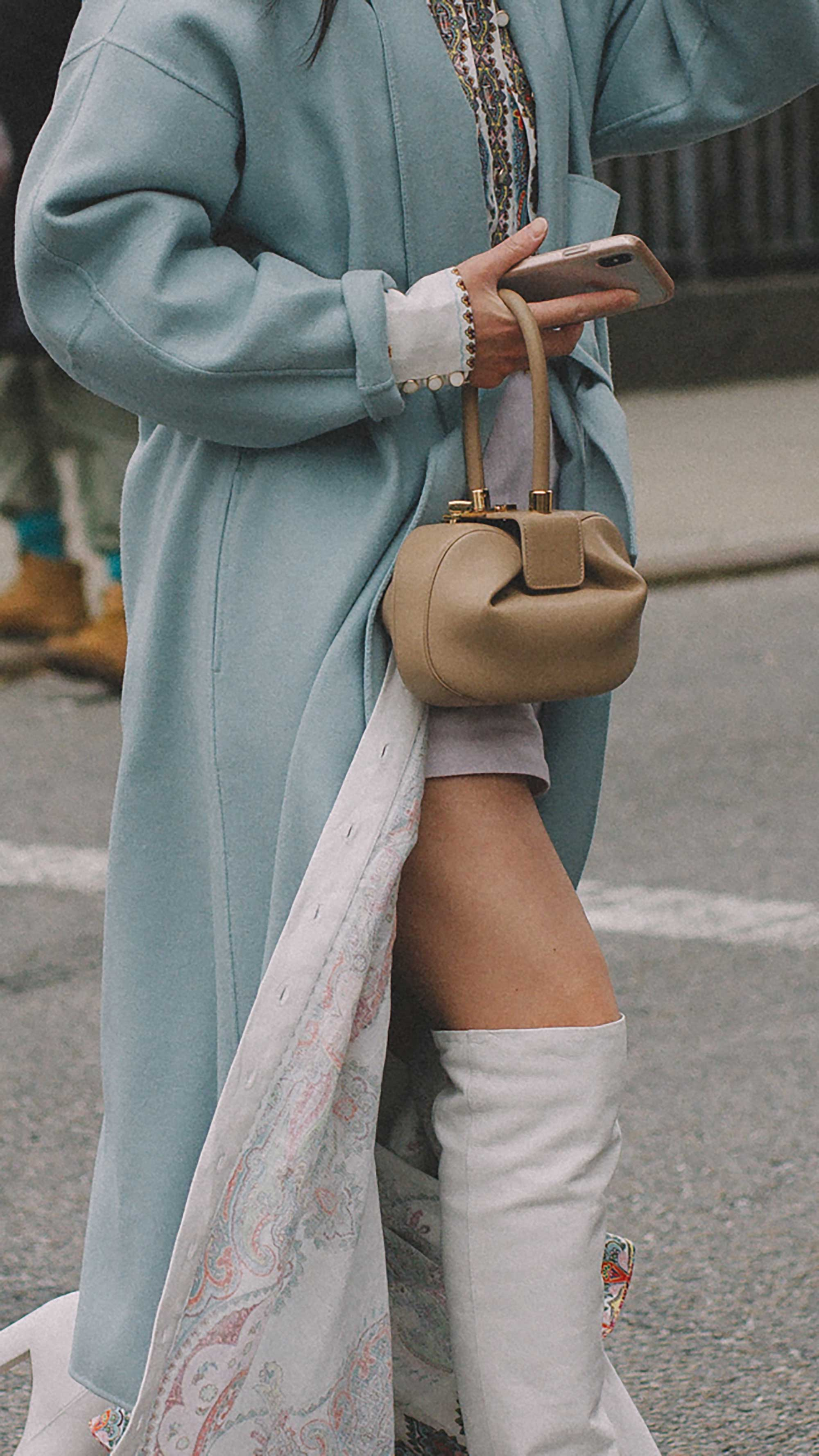 20 irresistible pastel outfit ideas for winter from New York Fashion Week street style2.jpg