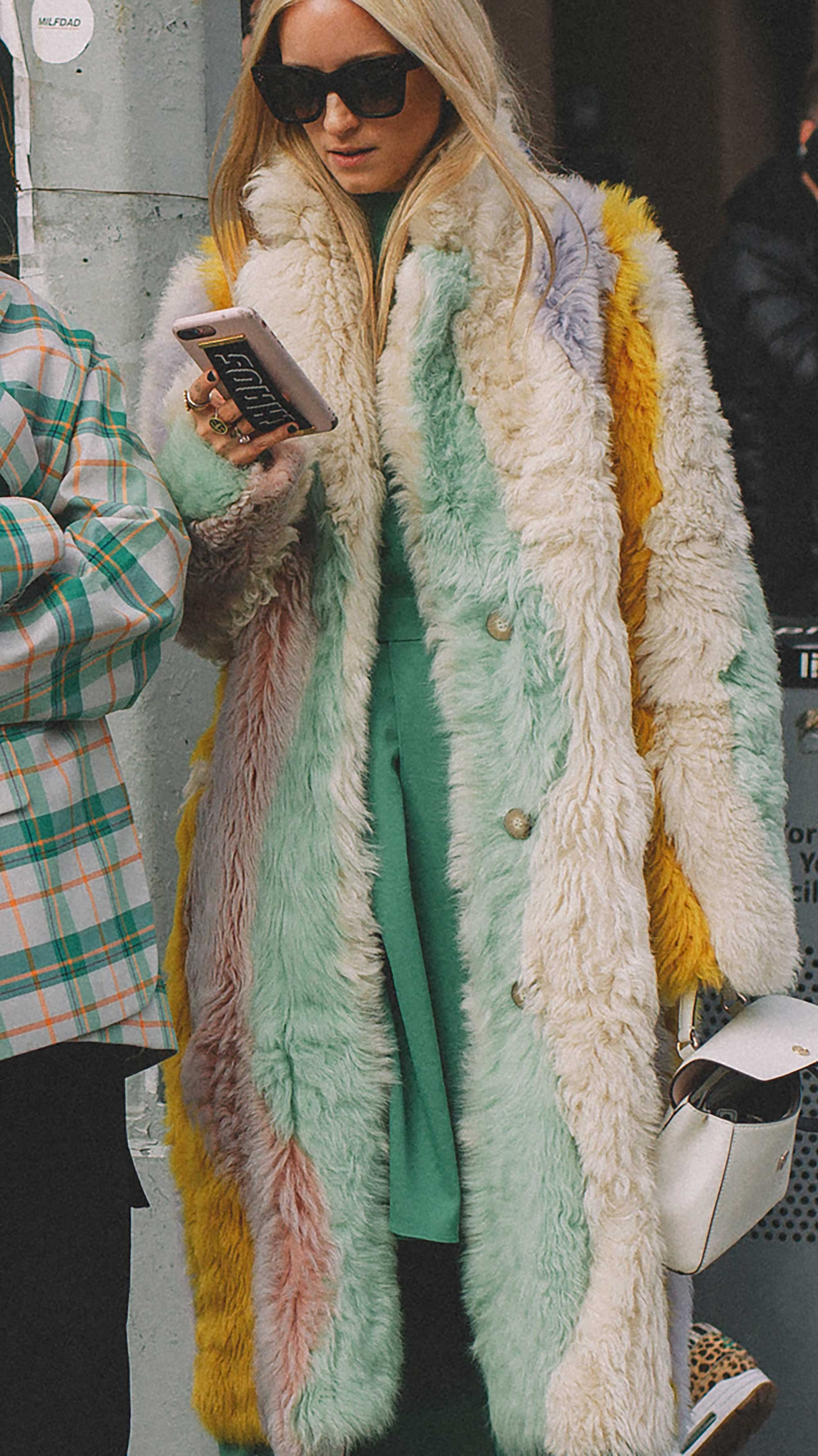 20 irresistible pastel outfit ideas for winter from New York Fashion Week street style13.jpg