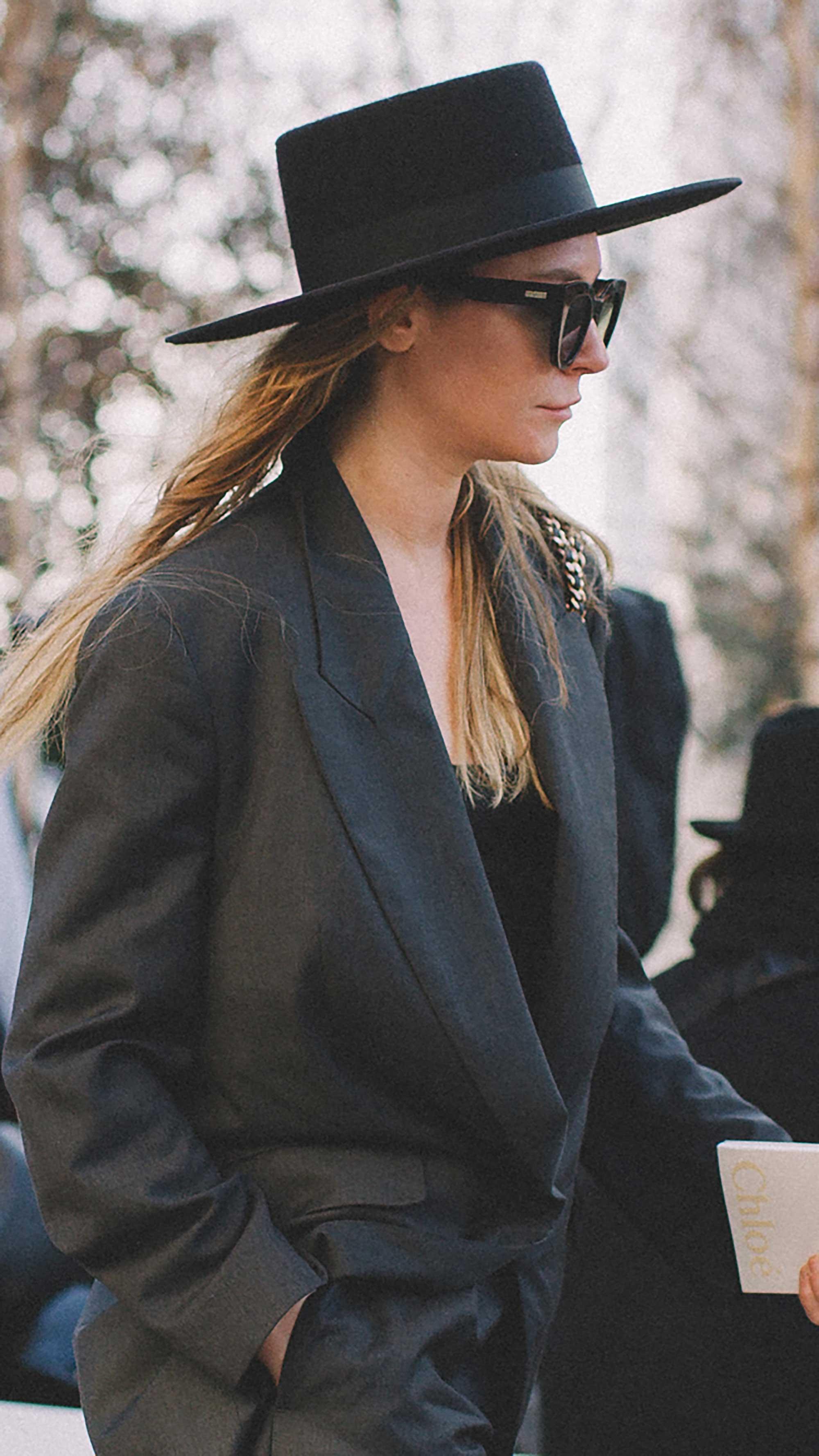 Best outfits of Paris Fashion Week street style day three PFW FW19 - 17.jpg
