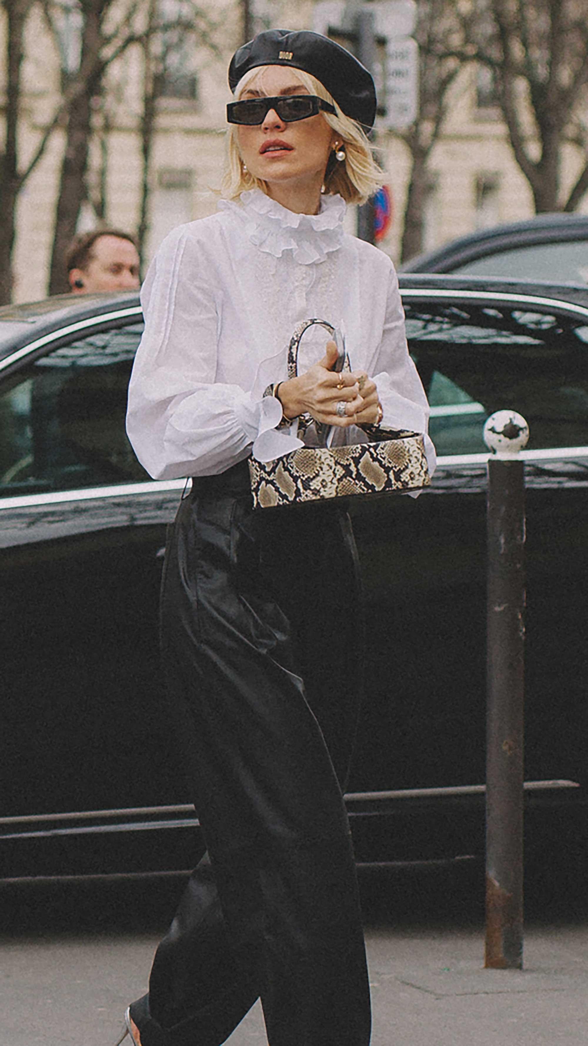 Best outfits of Paris Fashion Week street style day three PFW FW19 - 44.jpg