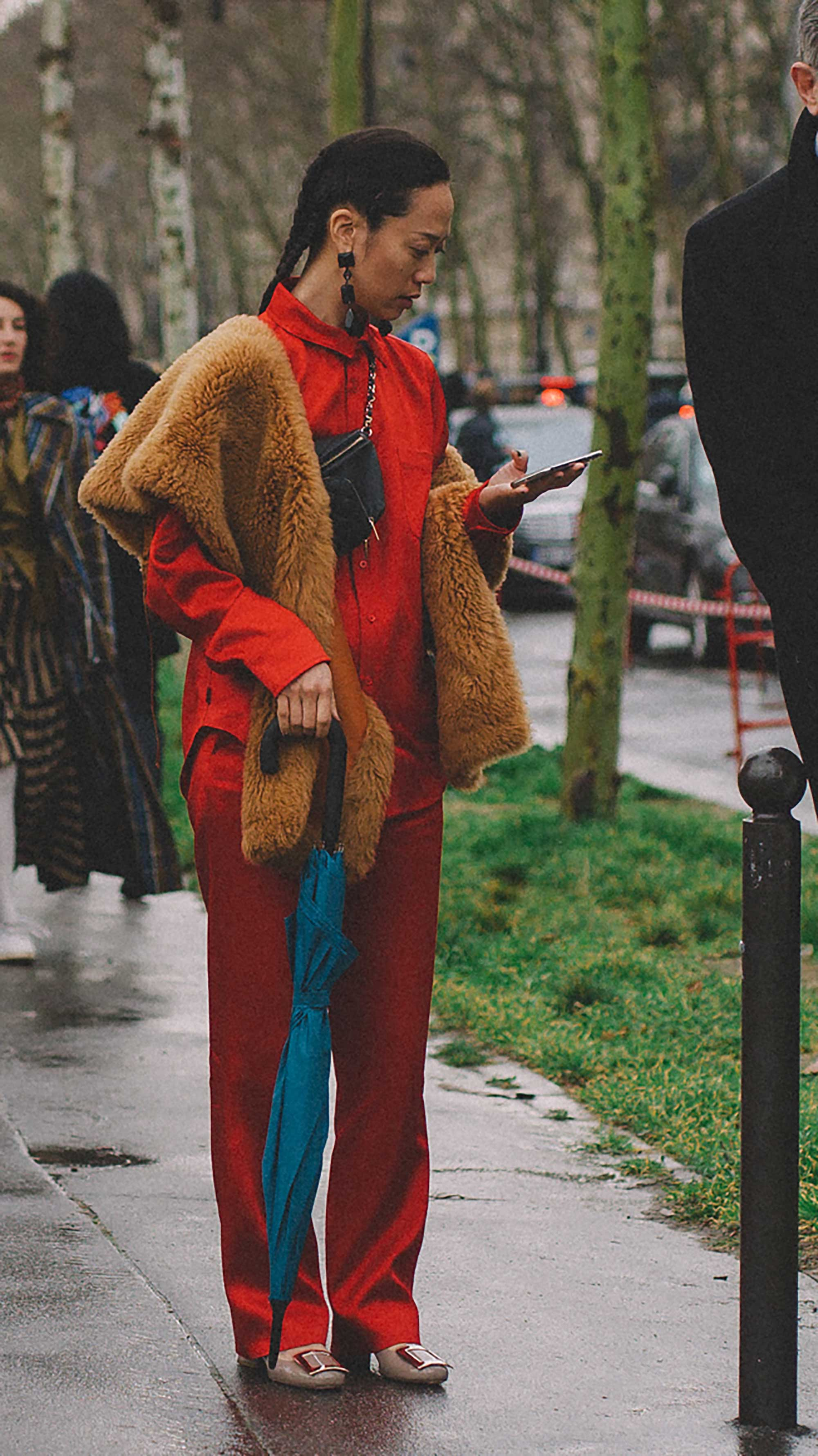 Best outfits of Paris Fashion Week street style day four PFW FW19 - 15.jpg