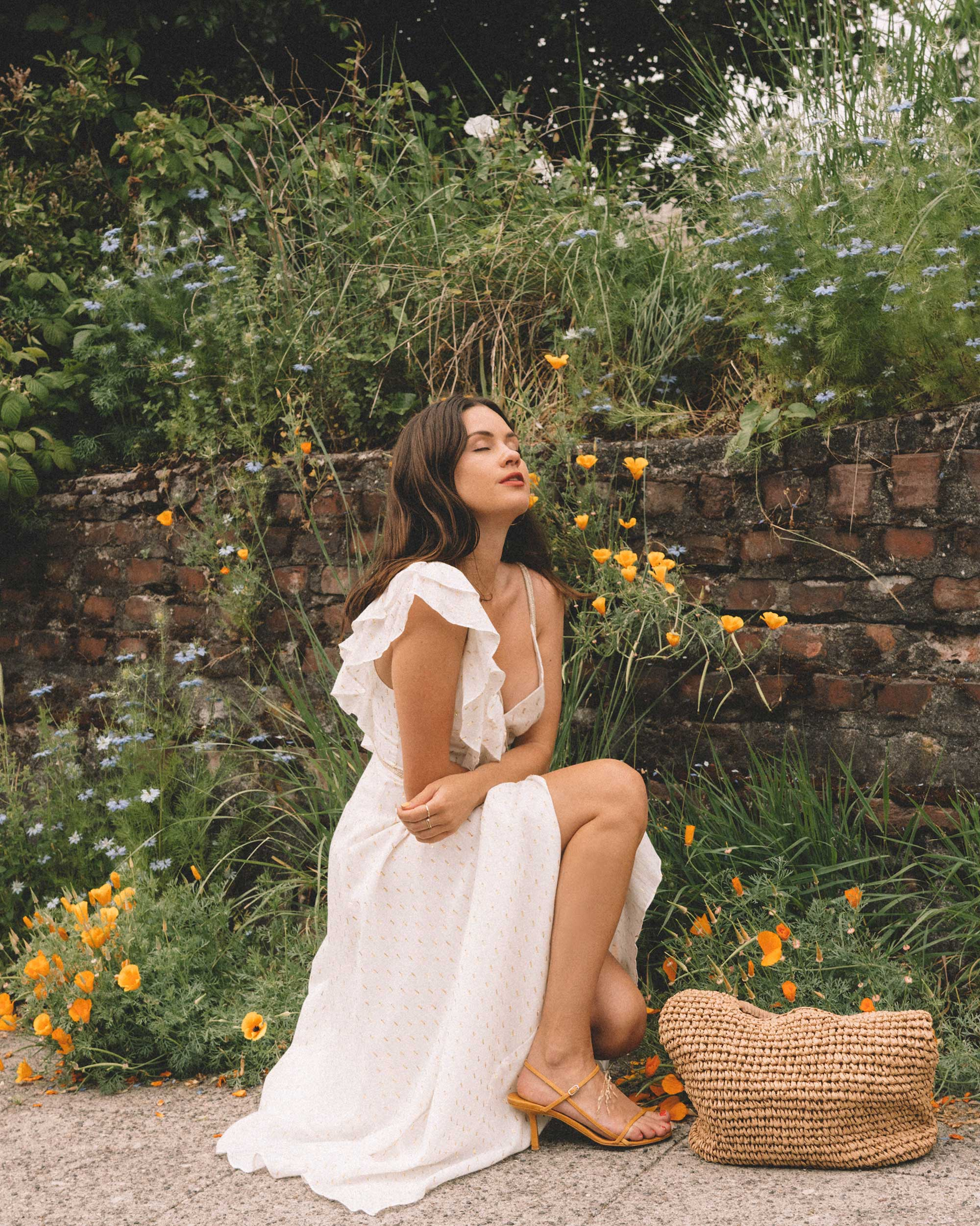 Sarah Butler of Sarah Styles Seattle wears BCBGMAXAZRIA White Asymmetric Midi Wrap Dress for the perfect summer outfit | @sarahchristine.jpg