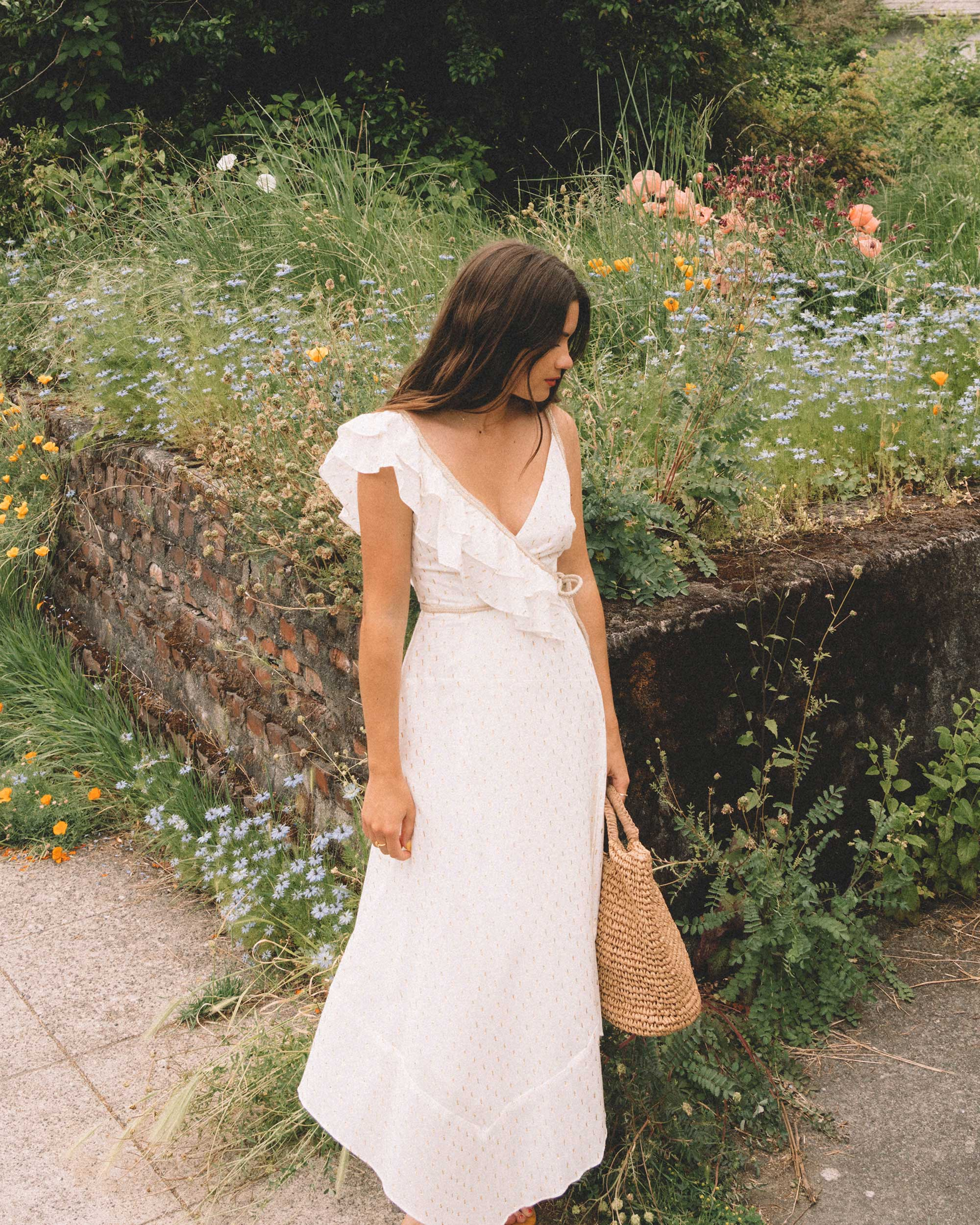 Sarah Butler of Sarah Styles Seattle wears BCBGMAXAZRIA White Asymmetric Midi Wrap Dress for the perfect summer outfit dress | @sarahchristine.jpg