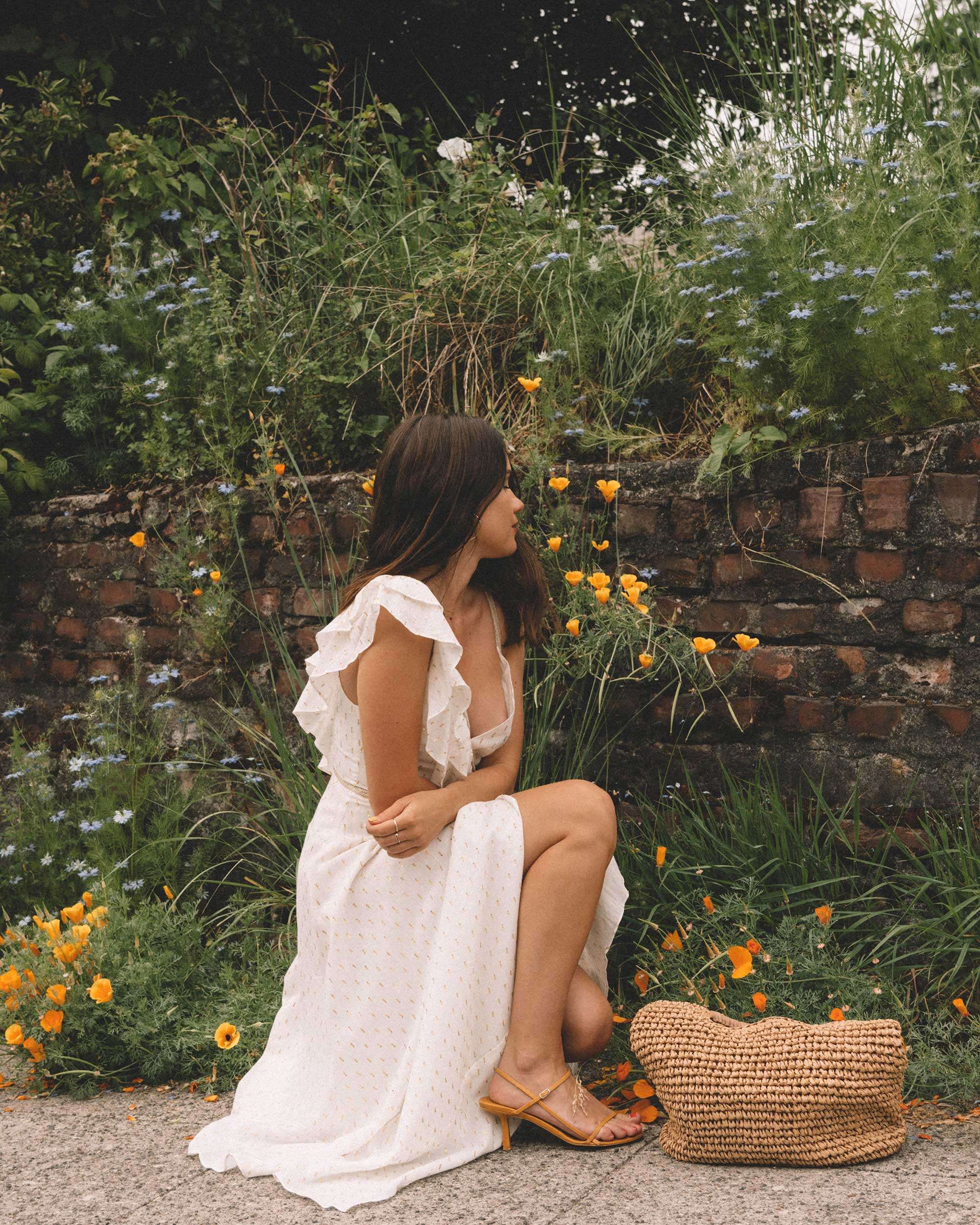 Sarah Butler of Sarah Styles Seattle wears BCBGMAXAZRIA White Asymmetric Midi Wrap Dress for the perfect summer outfit | @sarahchristine -11.jpg