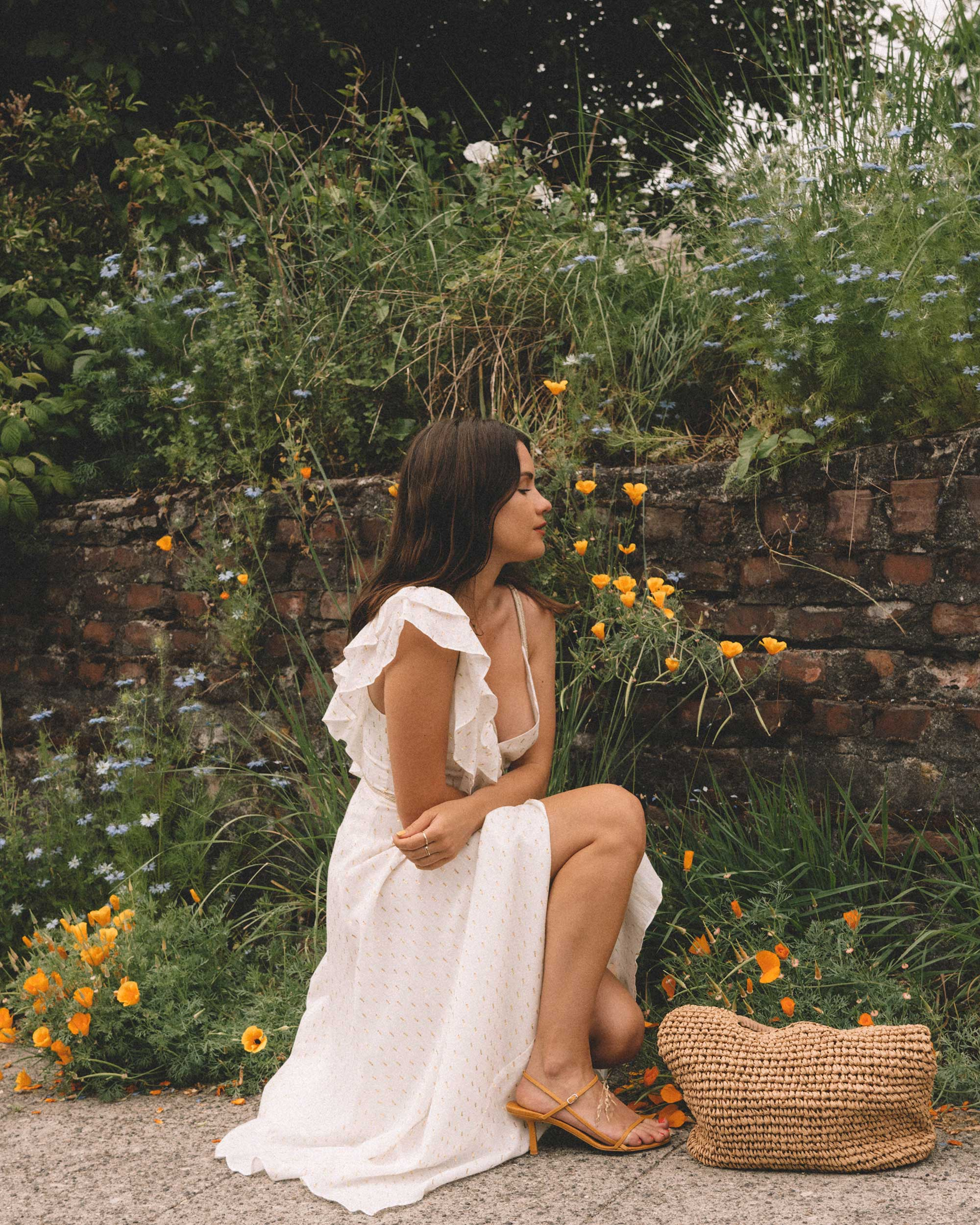 Sarah Butler of Sarah Styles Seattle wears BCBGMAXAZRIA White Asymmetric Midi Wrap Dress for the perfect summer outfit | @sarahchristine -12.jpg
