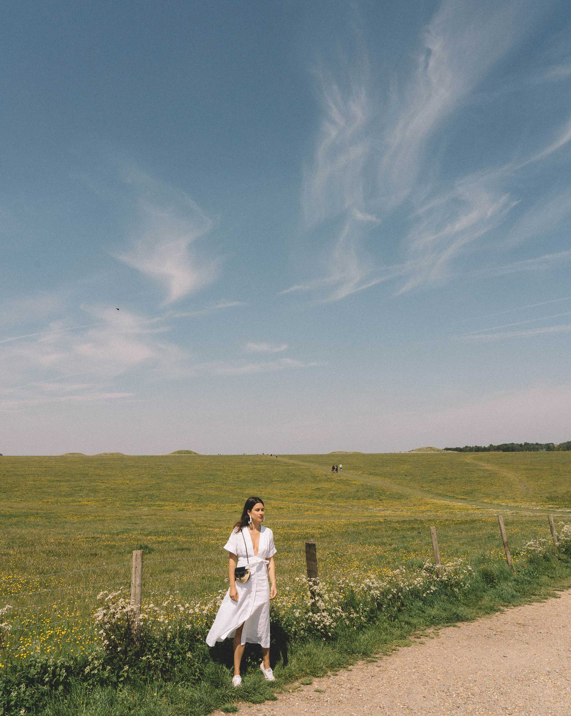 Linen Dress on the English Countryside - Exploring the English Countryside wearing Equipment nauman linen dress in bright white and Loewe Gate mini leather and raffia shoulder bag.