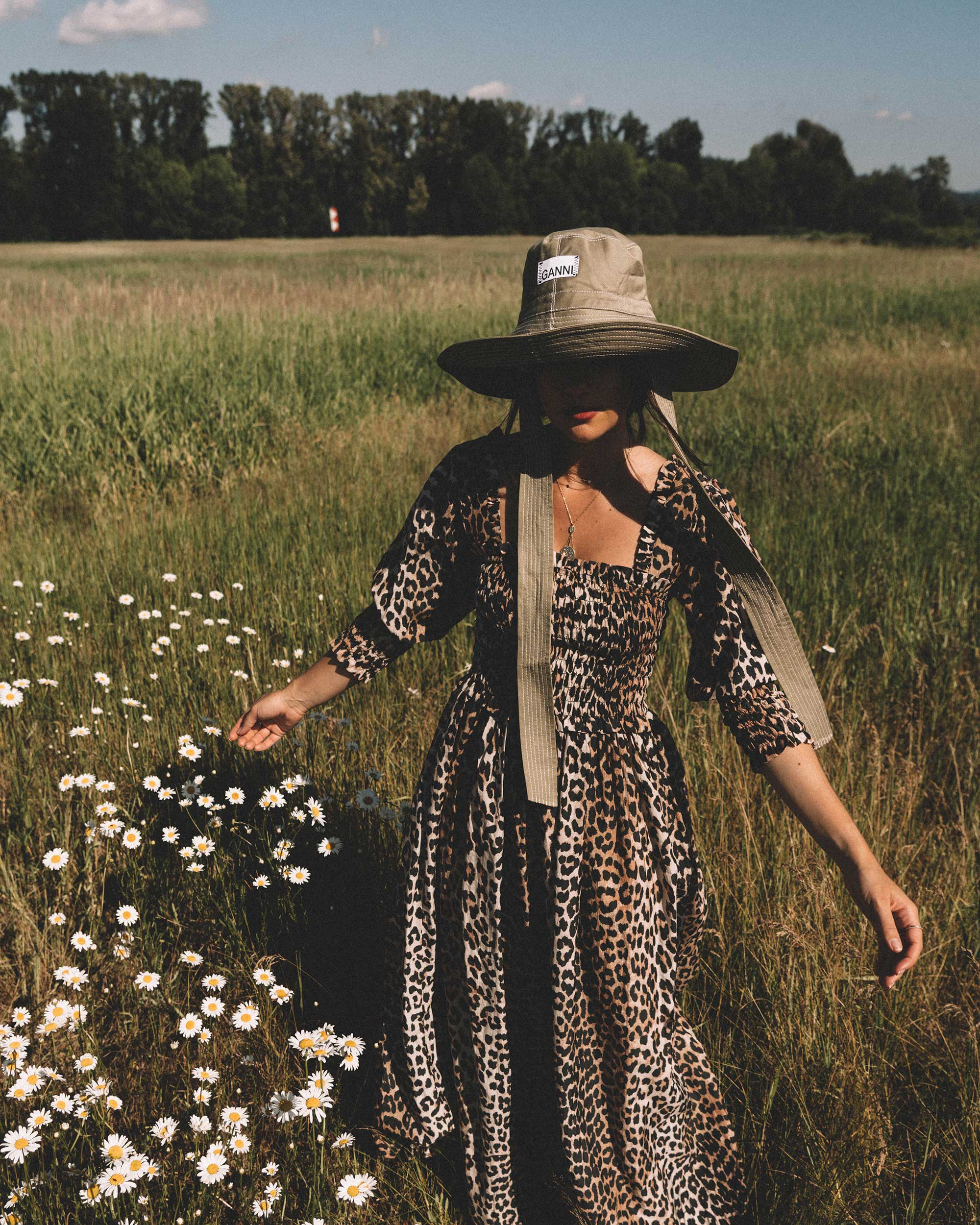 Sarah Butler of Sarah Styles wears GANNI Leopard-print Maxi Dress and GANNI wide brim hat in Seattle, Washington Feild | @sarahchristine --9.jpg