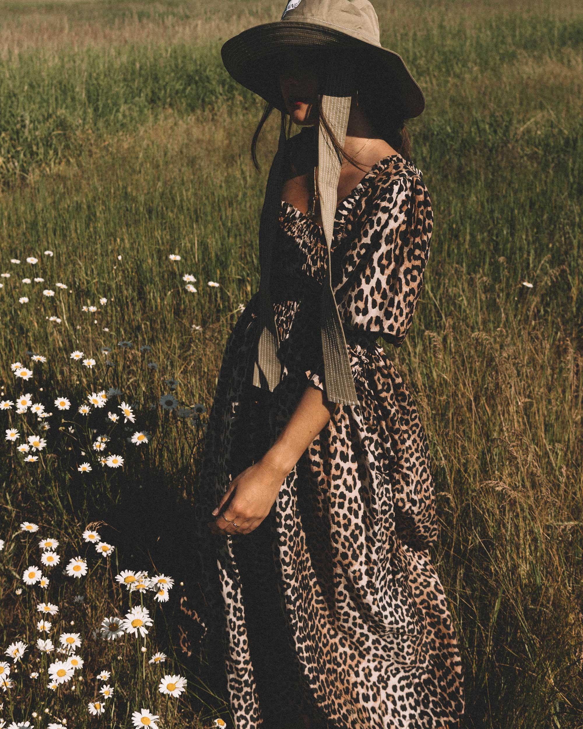 Sarah Butler of Sarah Styles wears GANNI Leopard-print Maxi Dress and GANNI wide brim hat in Seattle, Washington Feild | @sarahchristine --10.jpg