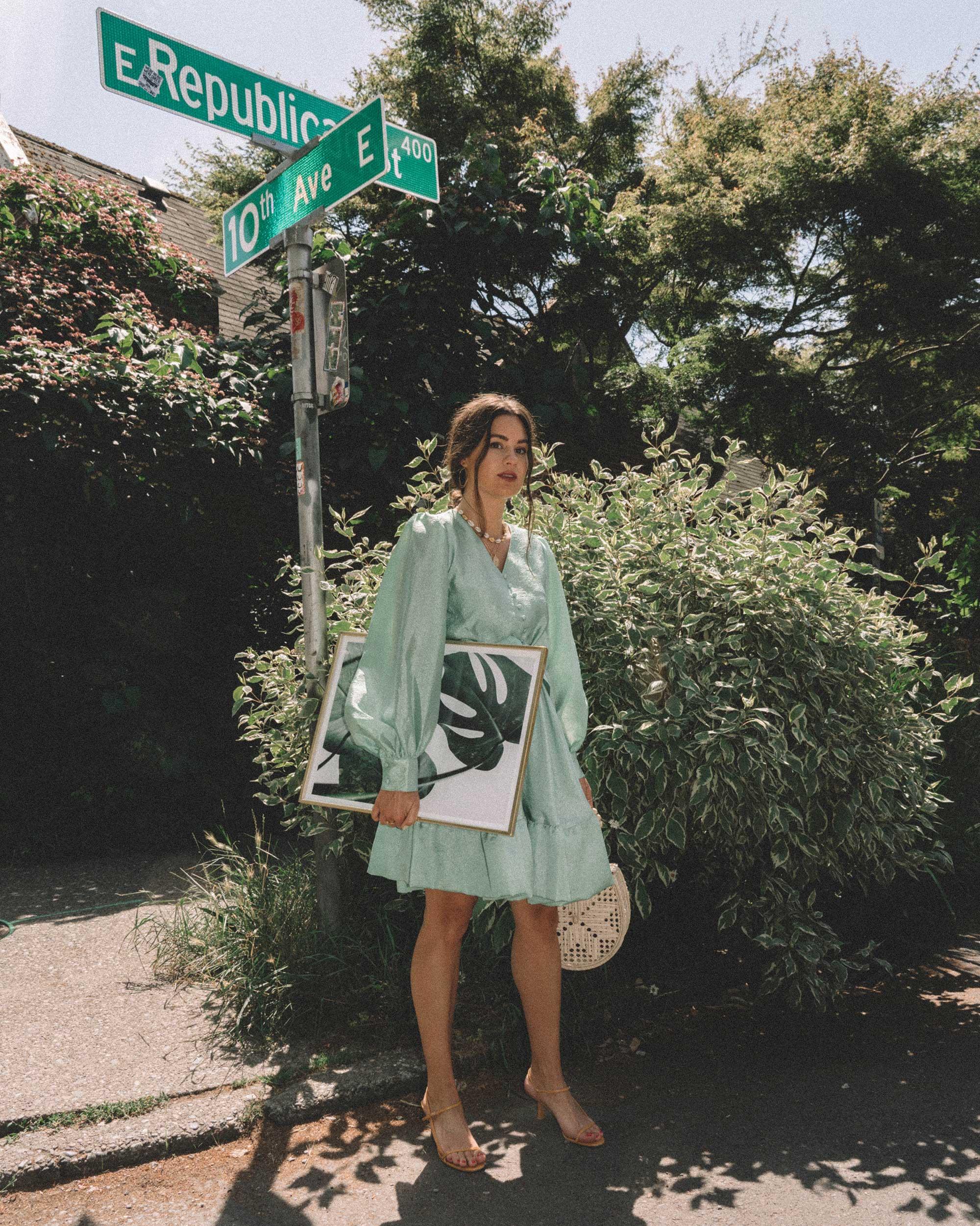 The Weekend with Stine Goya - Running weekend errands in Stine Goya farrow crepe blouson sleeve dress in jade green in Seattle.
