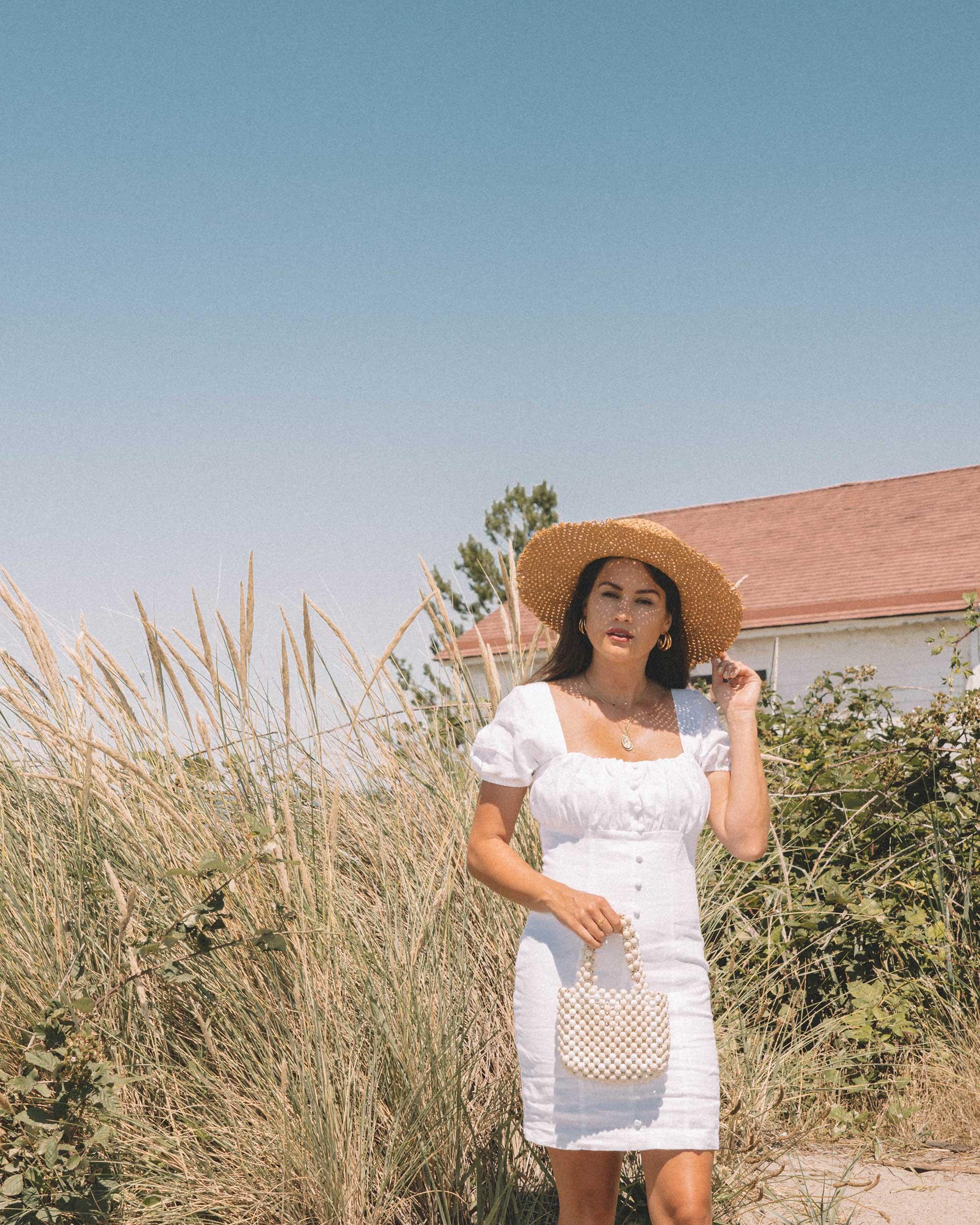 Sarah Butler of Sarah Styles wearing Puff Sleeve Linen Minidress at Seattle Discover Park  | @sarahchristine -1.jpg
