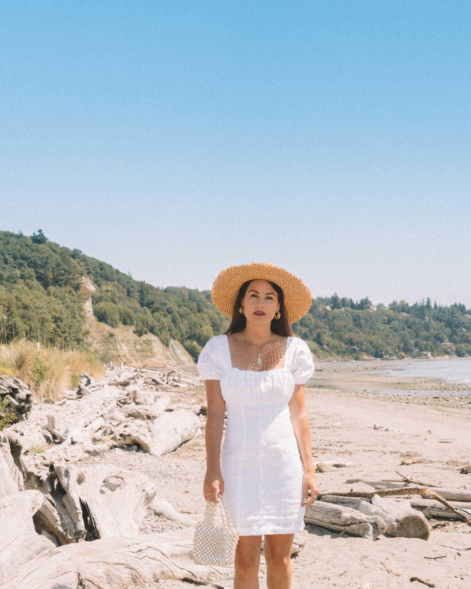 Sarah Butler of Sarah Styles wearing Puff Sleeve Linen Minidress at Seattle Discover Park  | @sarahchristine -11.jpg