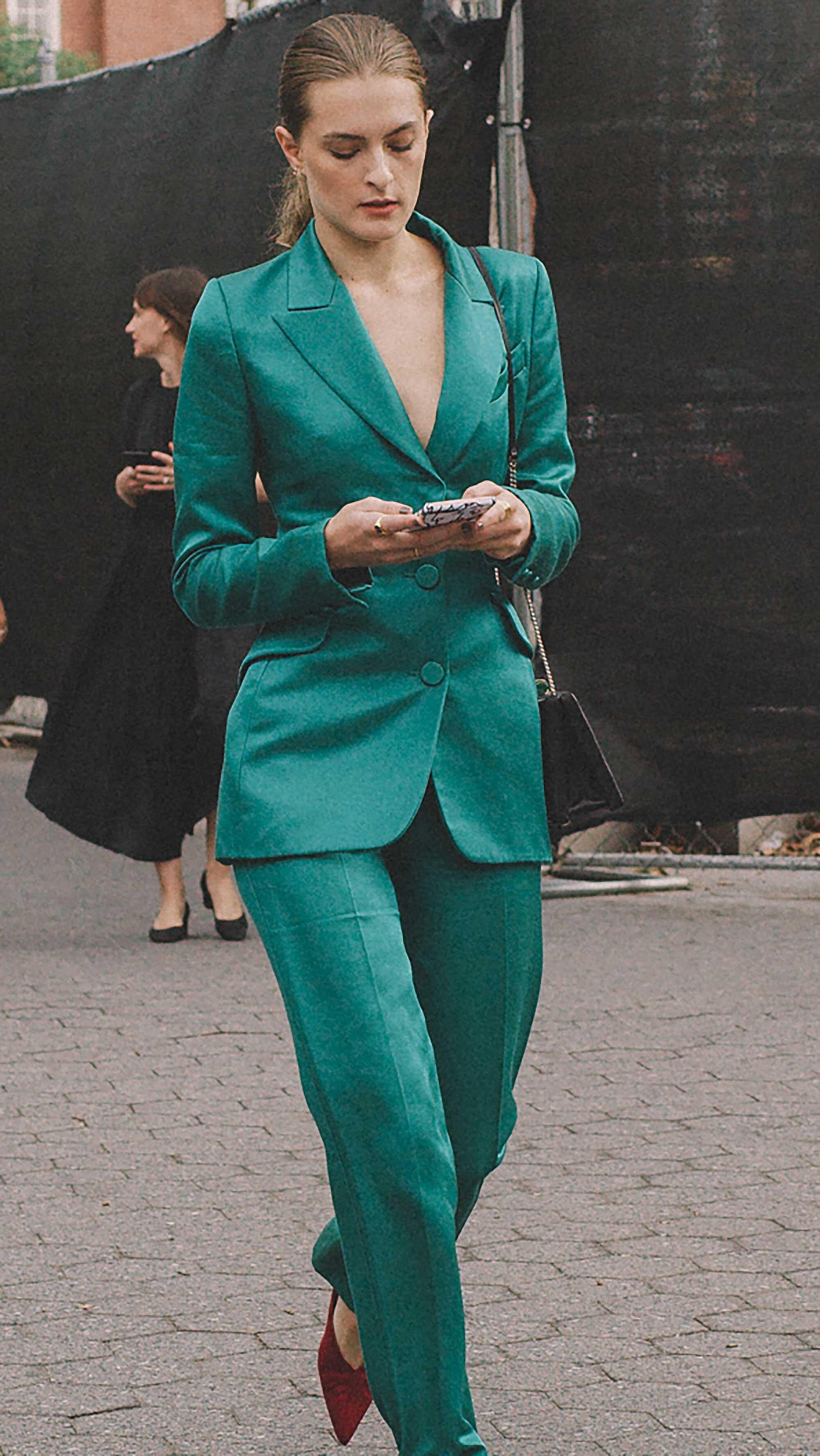 Click for more looks! Best outfits of New York Fashion Week street style 2019 Day Three Photo by @J2martinez Jose J. Martinez www.jmrtnz.com -12.jpg