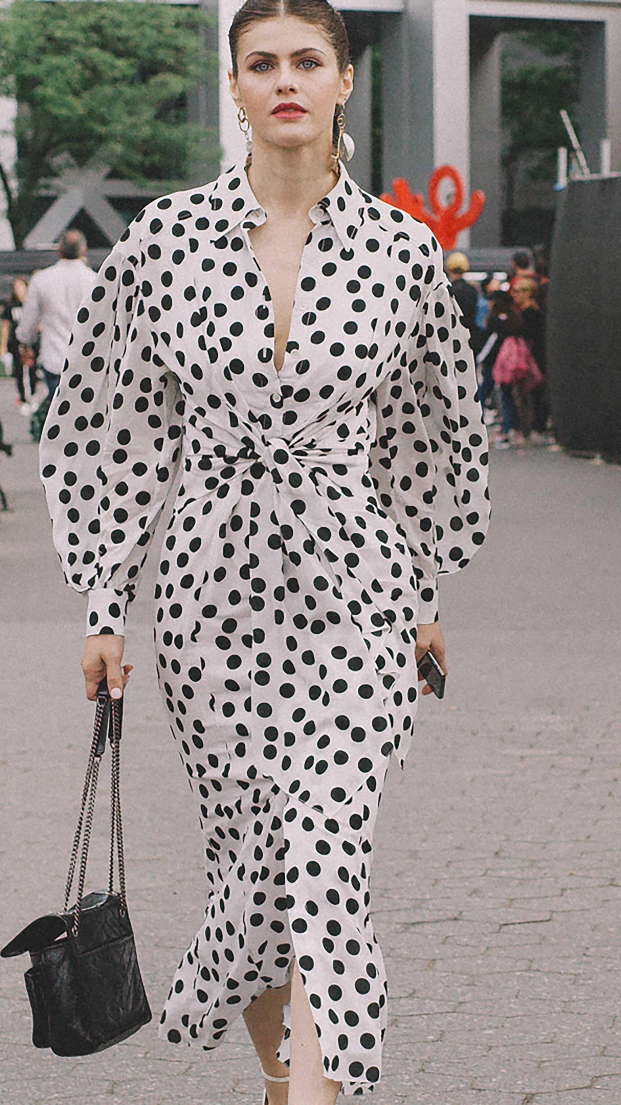Click for more looks! Best outfits of New York Fashion Week street style 2019 Day Three Photo by @J2martinez Jose J. Martinez www.jmrtnz.com -14.jpg