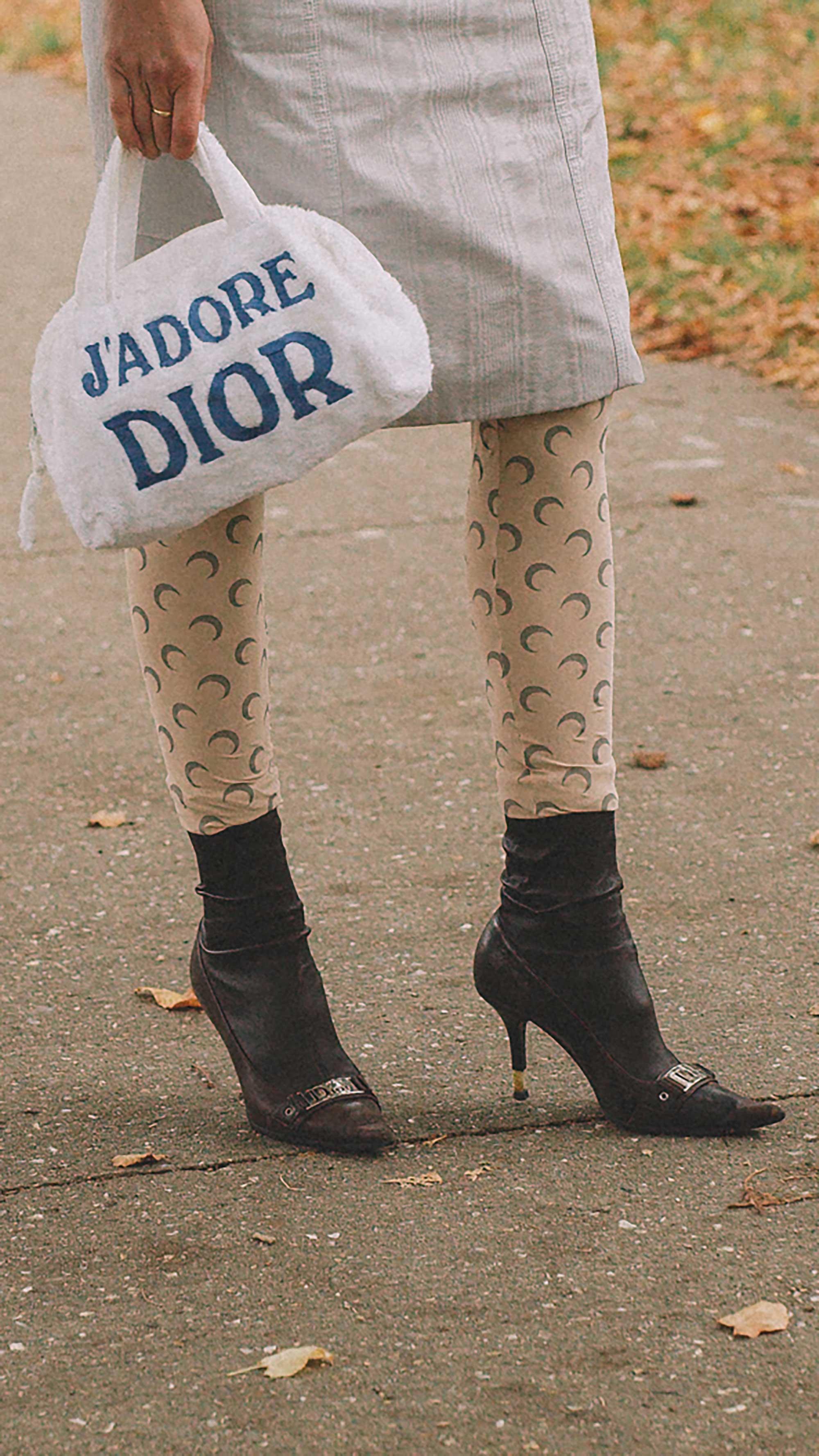 Best outfits of Paris Fashion Week street style 2019 day one PFW SS20 Photo by @J2martinez Jose J. Martinez -18.jpg