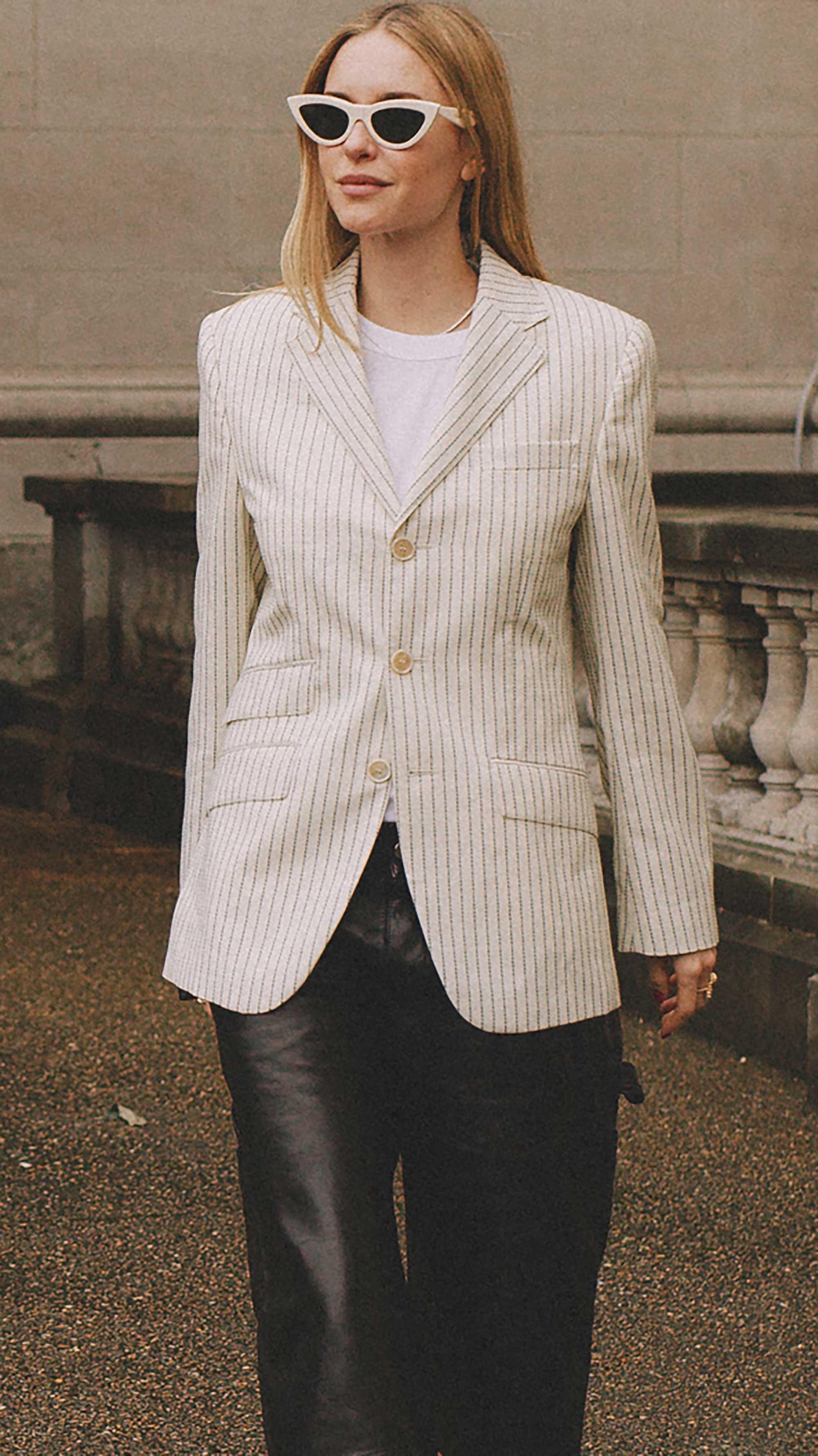 Best outfits of Paris Fashion Week street style 2019 day two PFW SS20 Photo by @J2martinez Jose J. Martinez -35.jpg