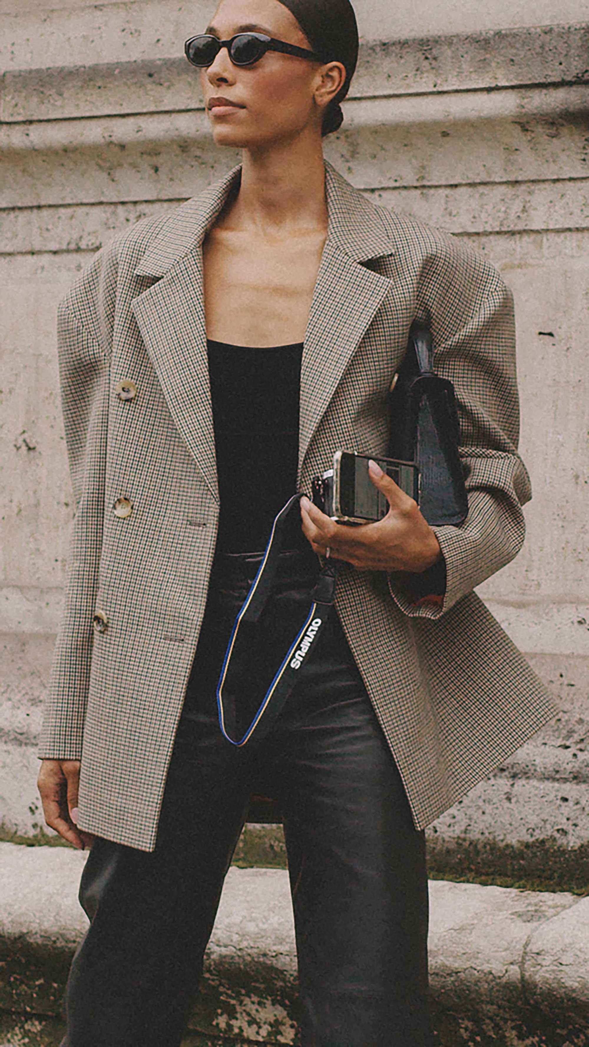 Best outfits of Paris Fashion Week street style 2019 day two PFW SS20 Photo by @J2martinez Jose J. Martinez -55.jpg