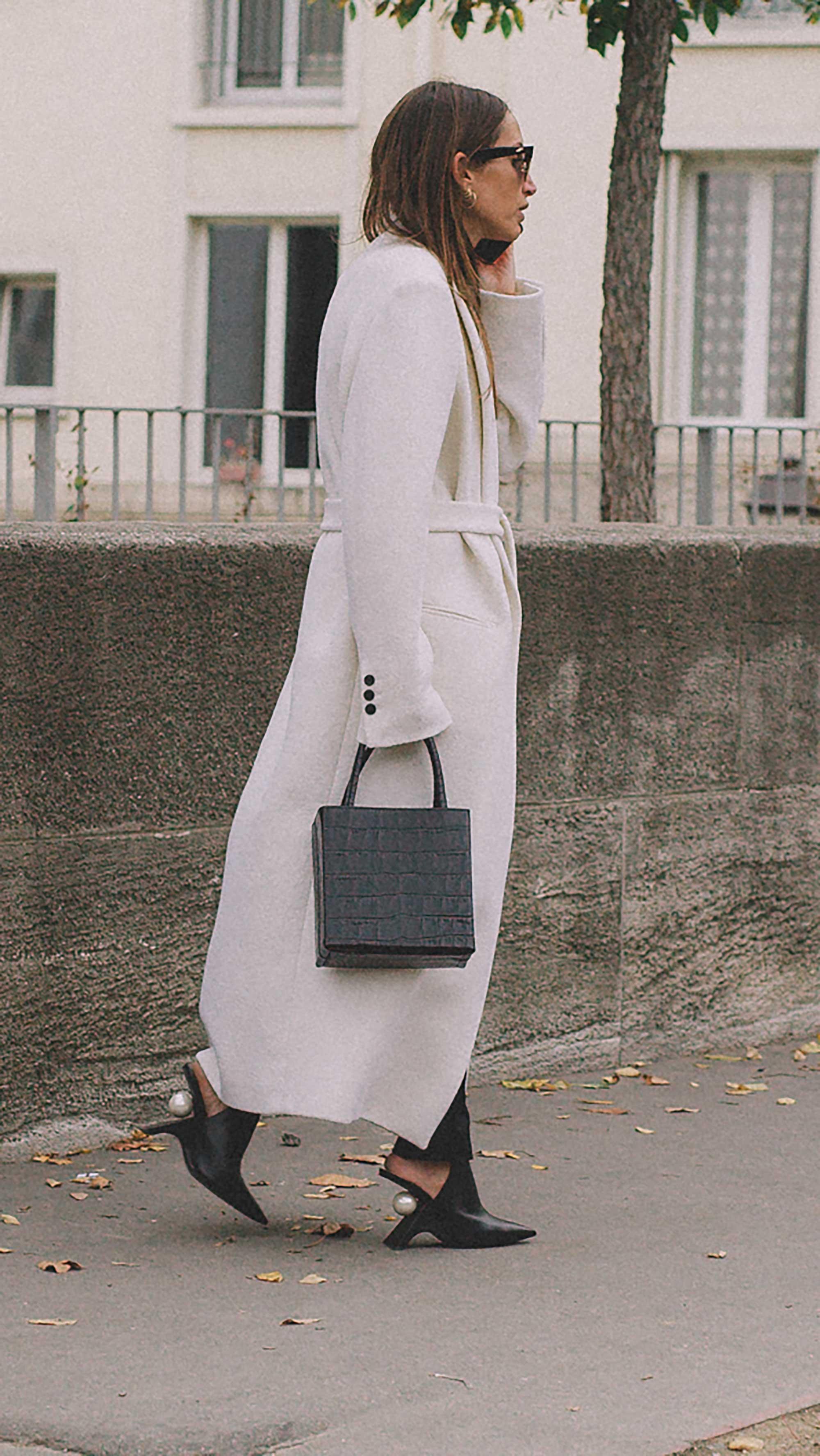 Best outfits of Paris Fashion Week street style 2019 day three PFW SS20 Photo by @J2martinez Jose J. Martinez -2.jpg