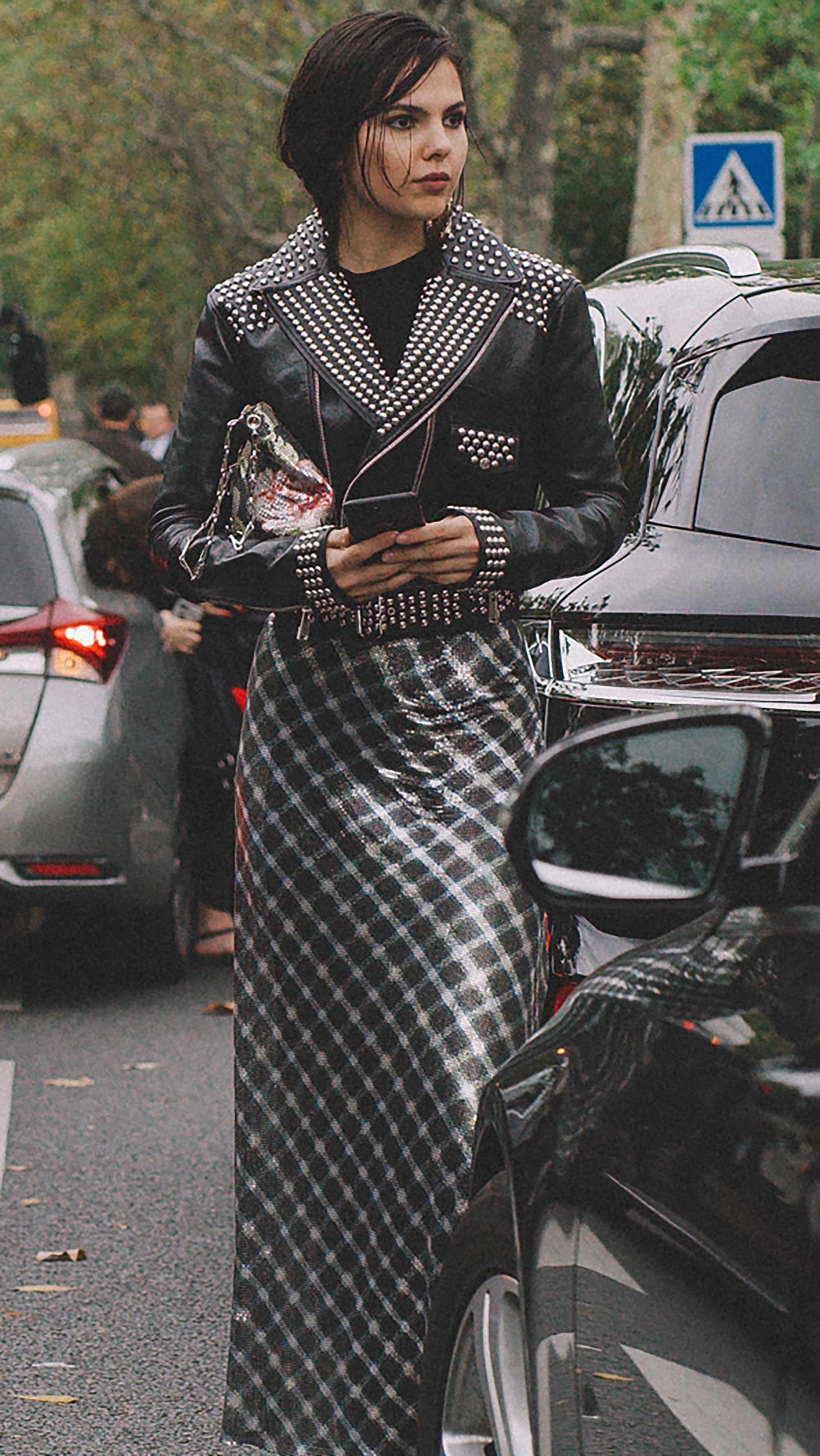 Best outfits of Paris Fashion Week street style 2019 day three PFW SS20 Photo by @J2martinez Jose J. Martinez -5.jpg