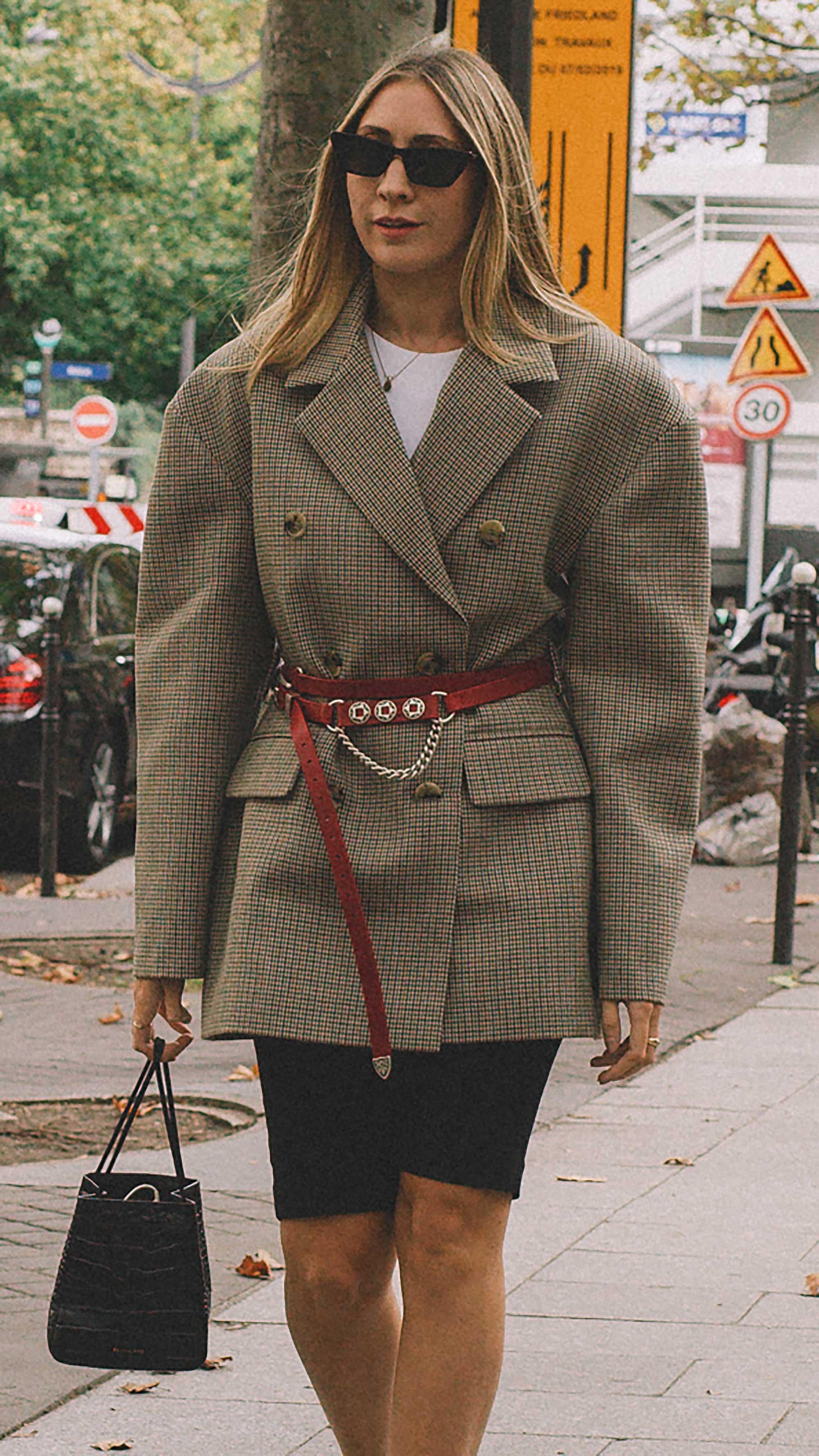 Best outfits of Paris Fashion Week street style 2019 day four PFW SS20 Photo by @J2martinez Jose J. Martinez -41.jpg