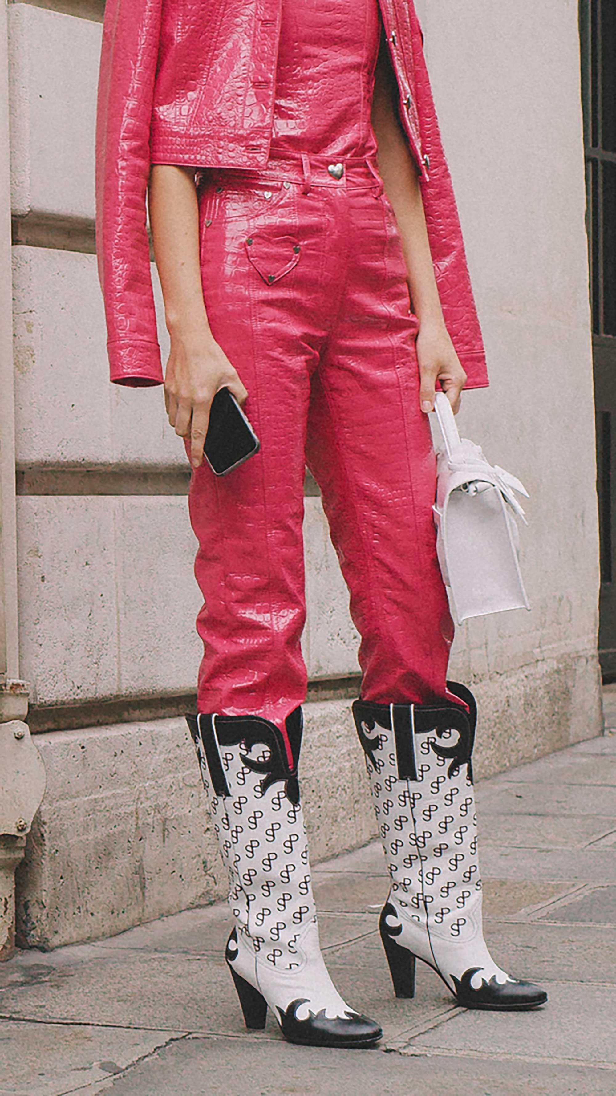 Best outfits of Paris Fashion Week street style 2019 day four PFW SS20 Photo by @J2martinez Jose J. Martinez -57.jpg