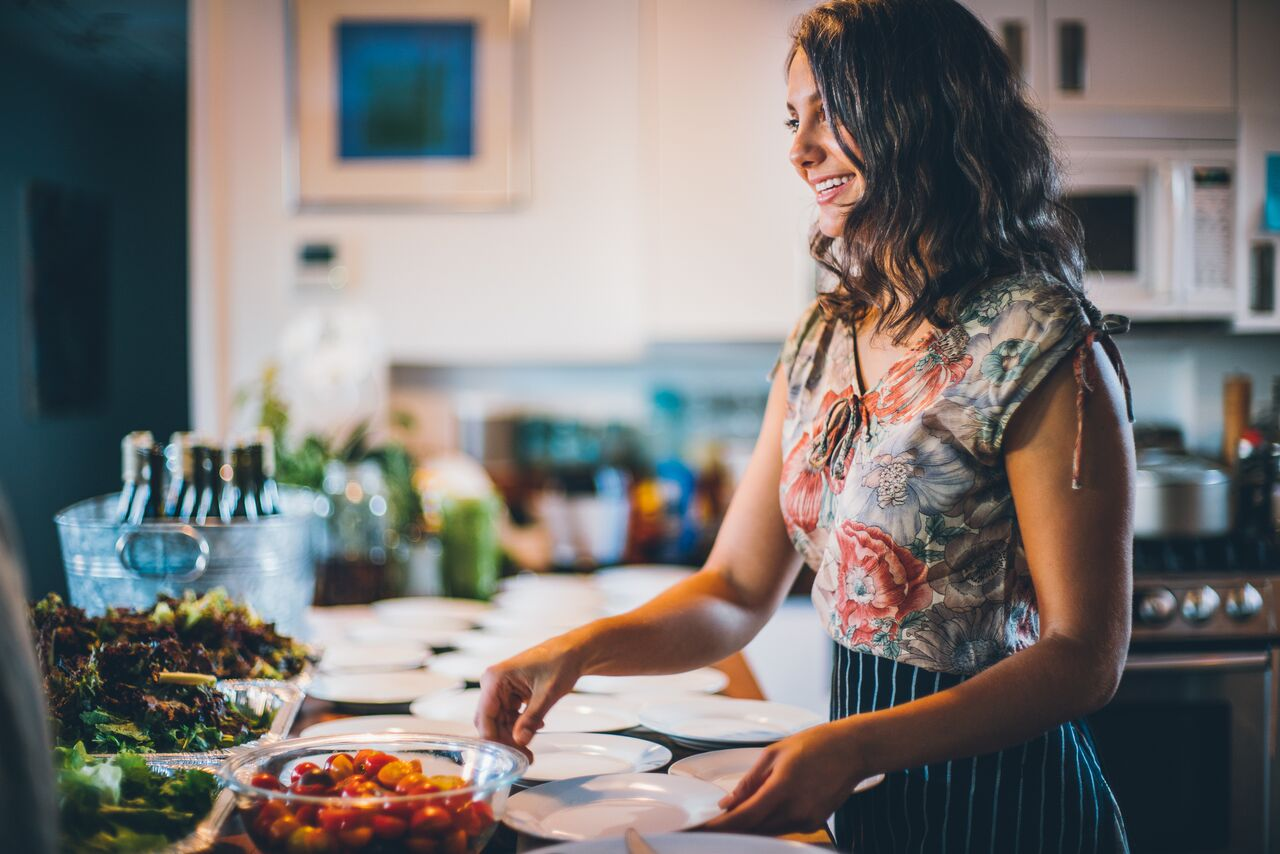 Lena Elkousy     A Chef, Yoga Teacher And Wellness Coach with a background in holistic health, Lena is passionate about teaching people how to become the healthiest versions of themselves through food and mindful practices.