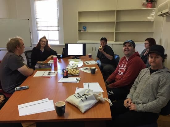Clubhouse members and our Employment and Education Officer Rhea enjoying a Job Club session on Tuesday mornings.