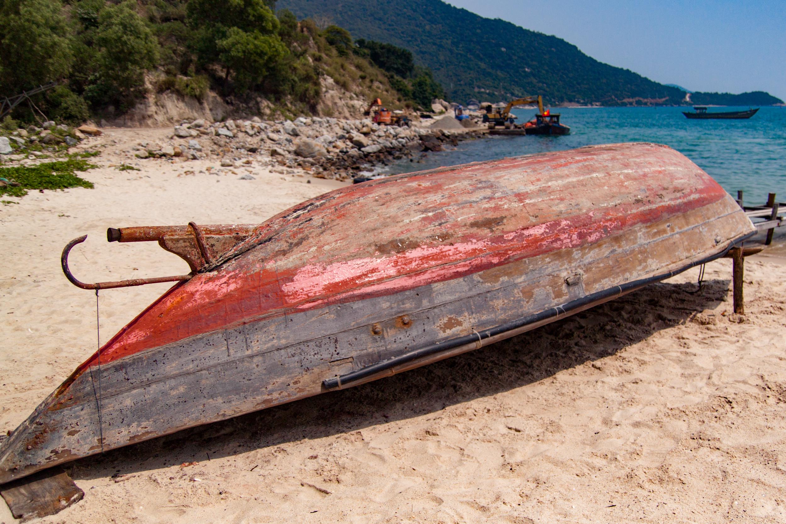fishing boat - cham island, vietnam