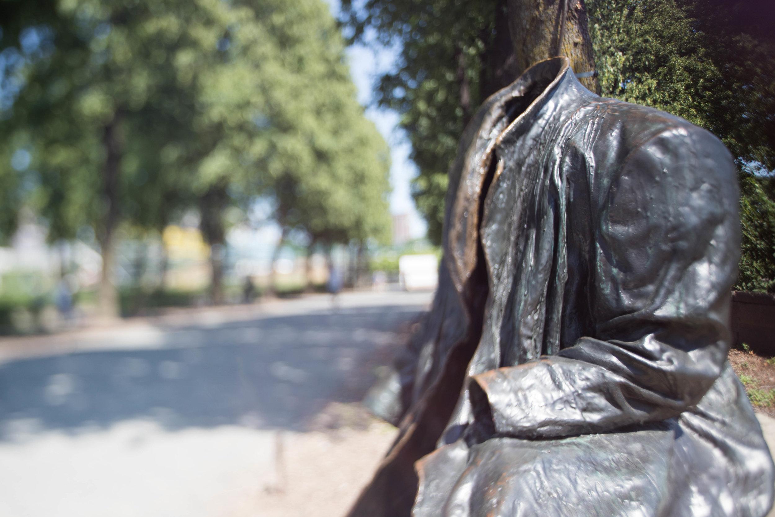 freelensed-statue-minneapolis-minnesota