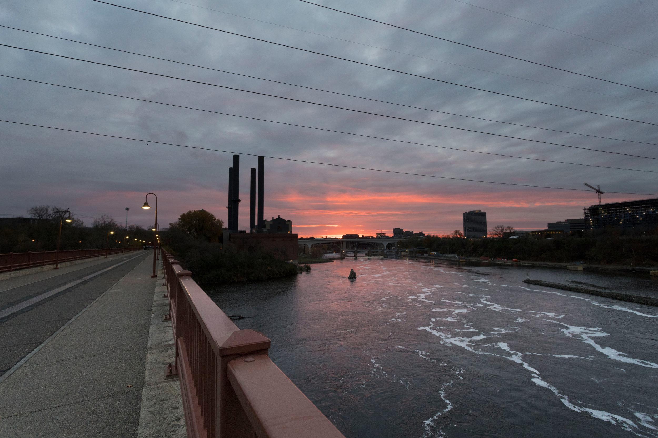 october 29, 2017  stone arch bridge - minneapolis, minnesota
