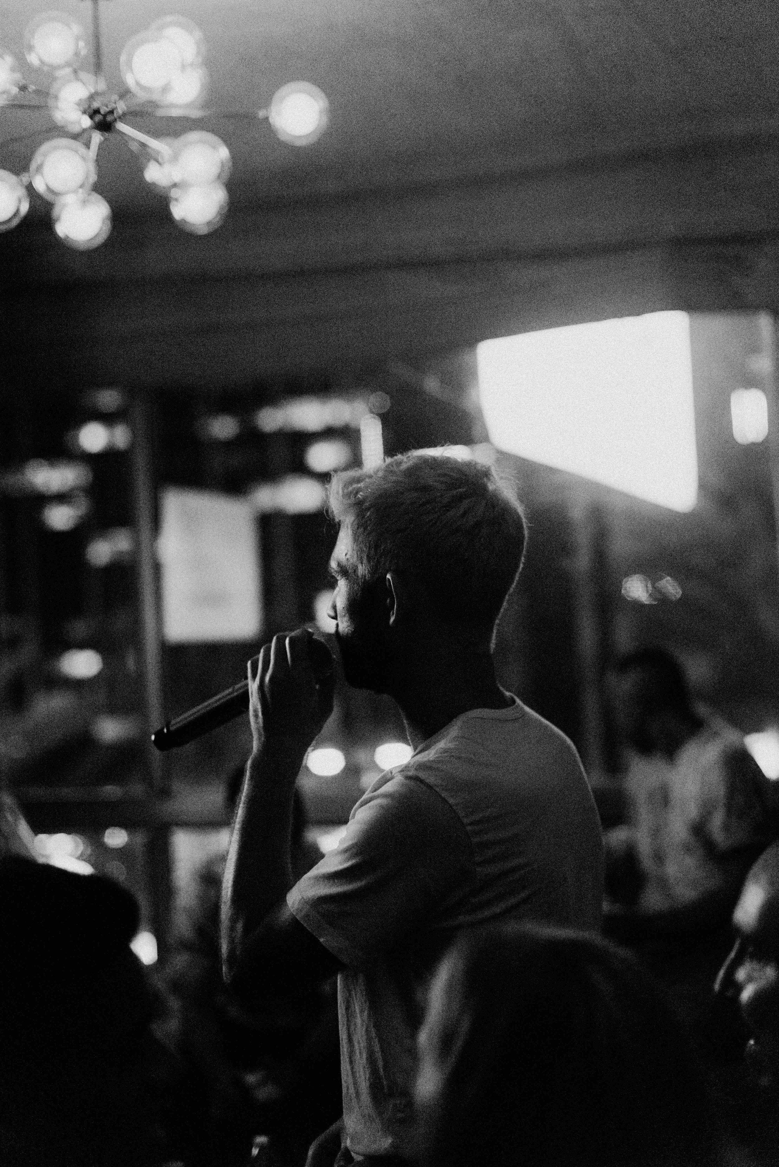 karaoke (bw)-23.jpg