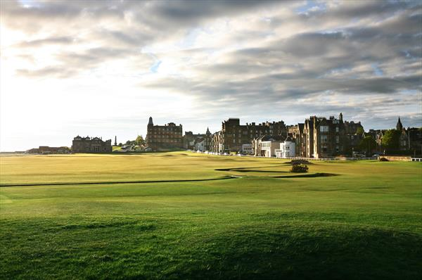 Join us on our premium UK tour and Understand where the story of golf started