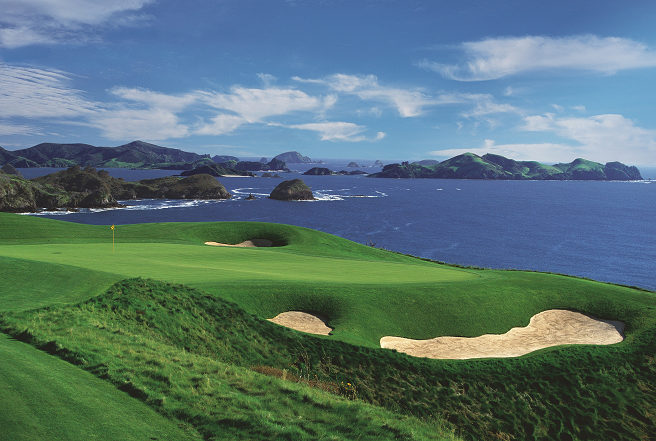 Play  Kauri Cliffs