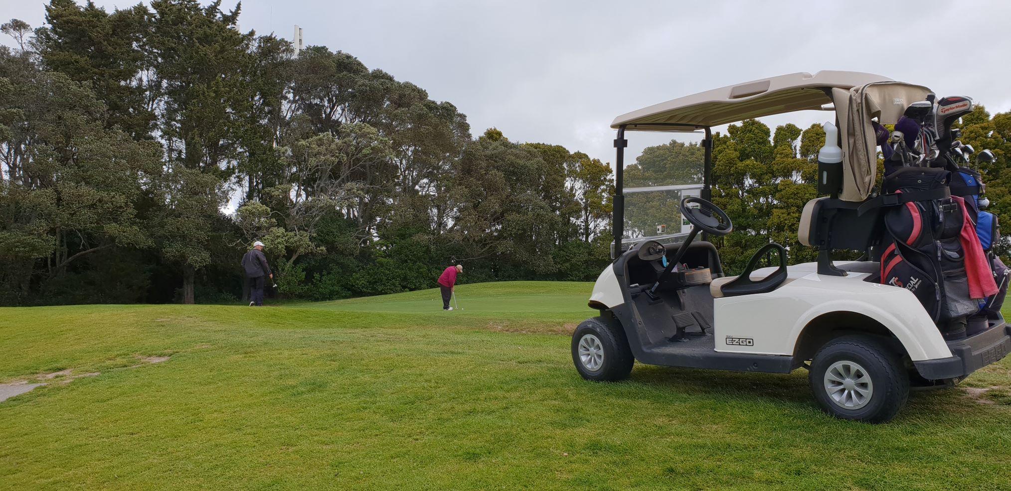 On the 4th green Premium Golf NZ Twilight Series.jpg
