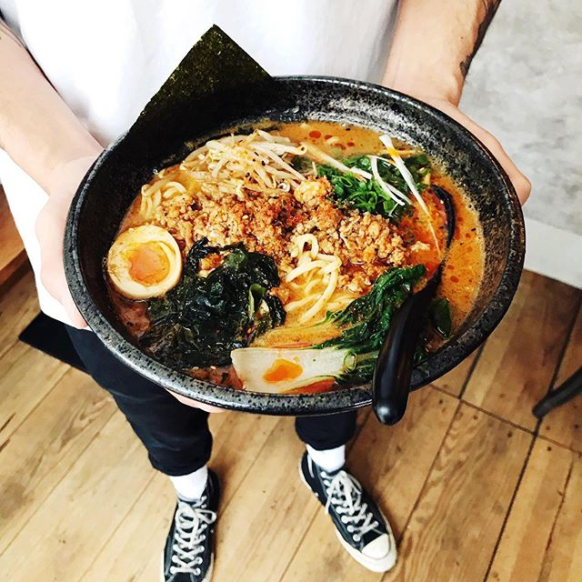 It's almost lunch time, come get your tasty bowl of ramen at Betsu! 🍜  We start serving lunch at 12:00. . . . #lunch #tantan #ramen #chucktaylor #weekend #betsubara #noodles #amsterdam #janpieterheijestraat #saturday #takeyourmom #tobetsu #mothersday #sunday #chickenmince